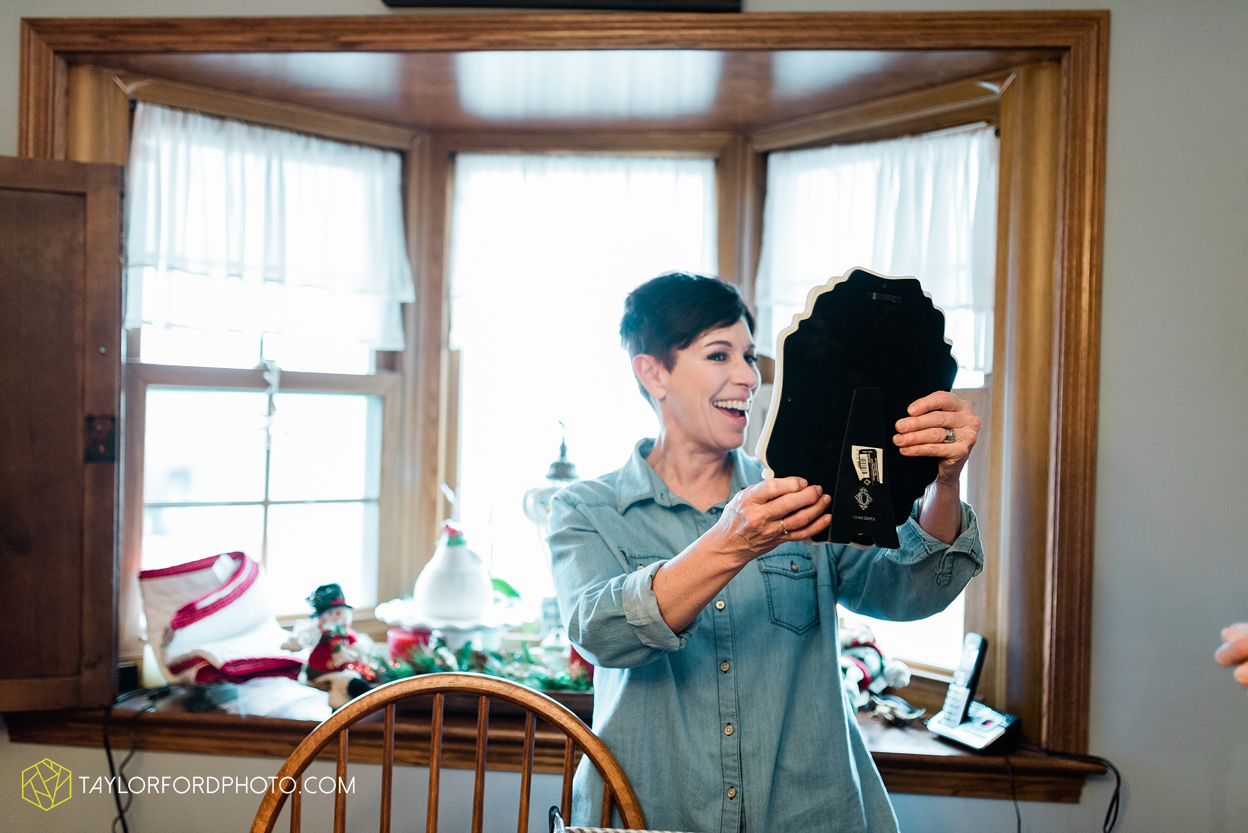 van-wert-ohio-first-united-methodist-downtown-van-wert-county-jr-fair-building-reception-winter-christmas-wedding-photographer-taylor-ford-hirschy-photographer_1863.jpg