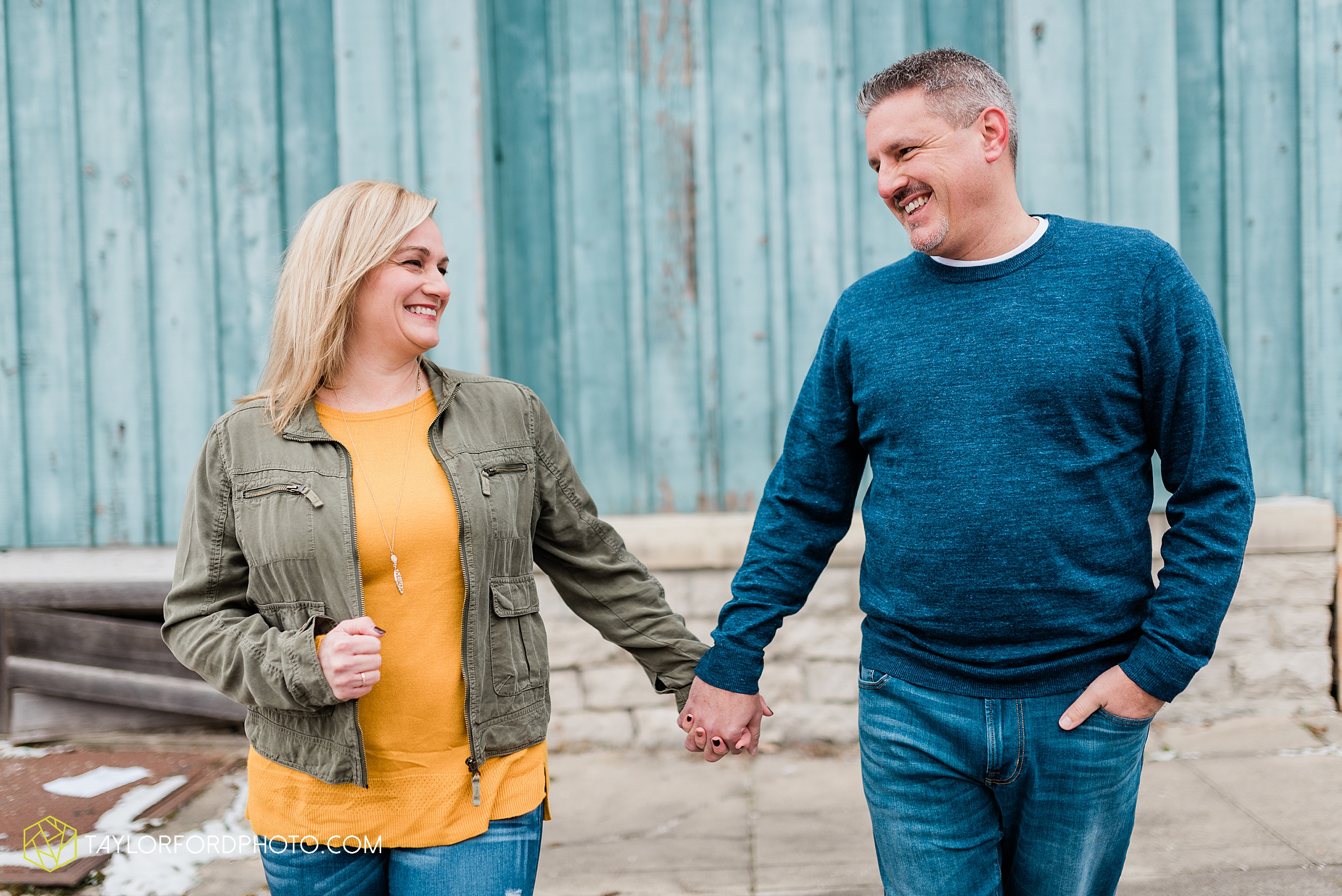 thompson-extended-family-van-wert-ohio-downtown-family-photography-taylor-ford-hirschy-photographer_2083.jpg