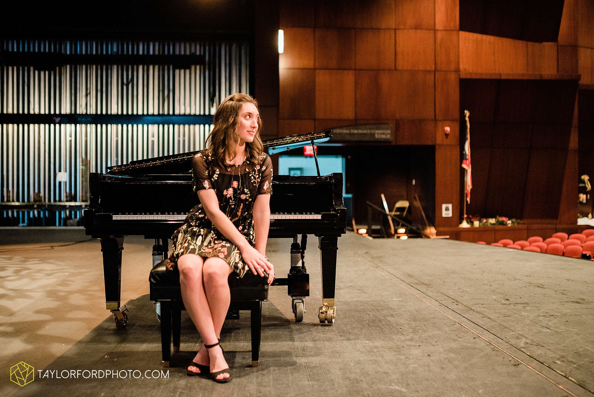 niswonger-performing-arts-center-senior-grand-piano-van-wert-ohio-photography-taylor-ford-hirschy-photographer_2107.jpg