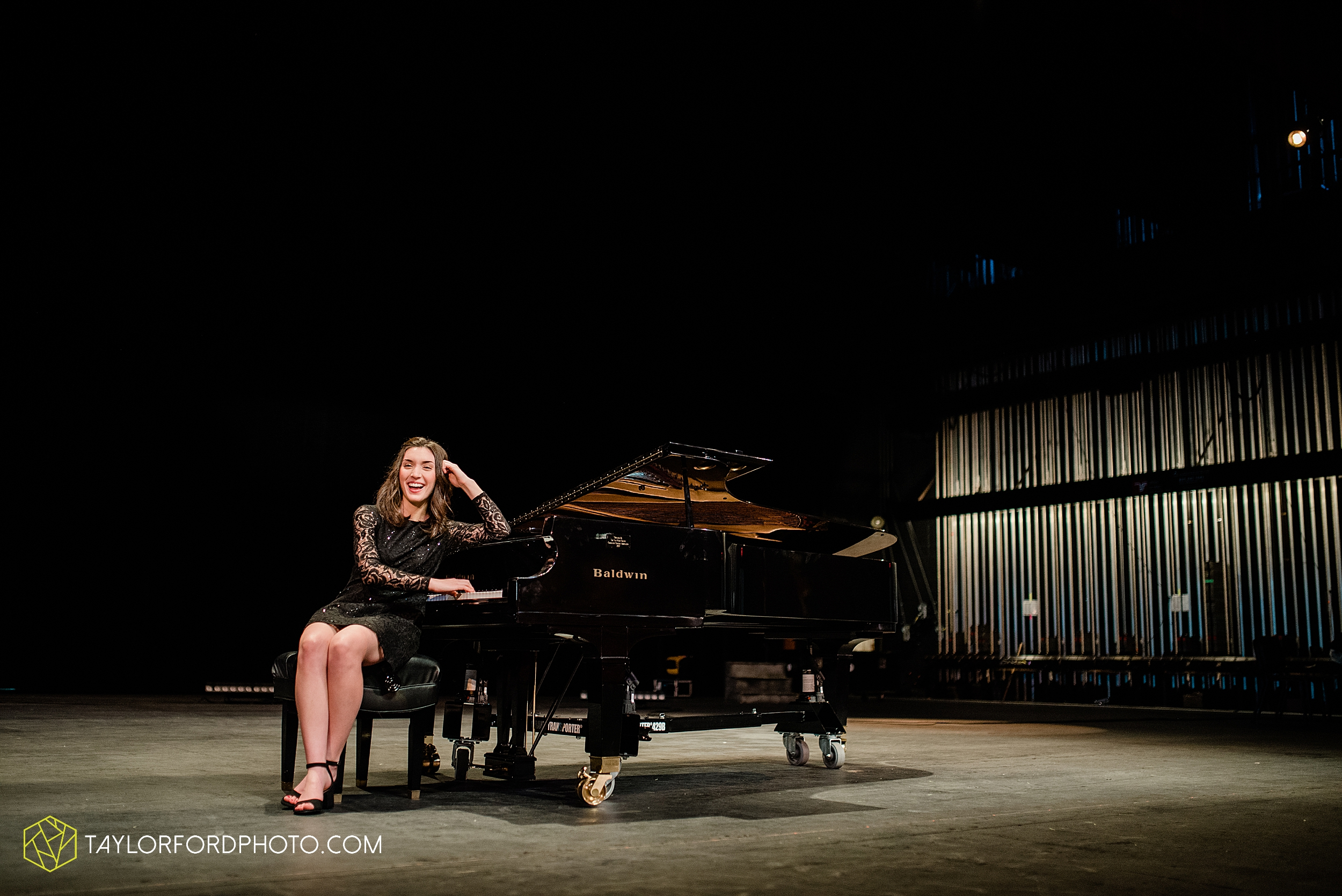 niswonger-performing-arts-center-senior-grand-piano-van-wert-ohio-photography-taylor-ford-hirschy-photographer_2111.jpg