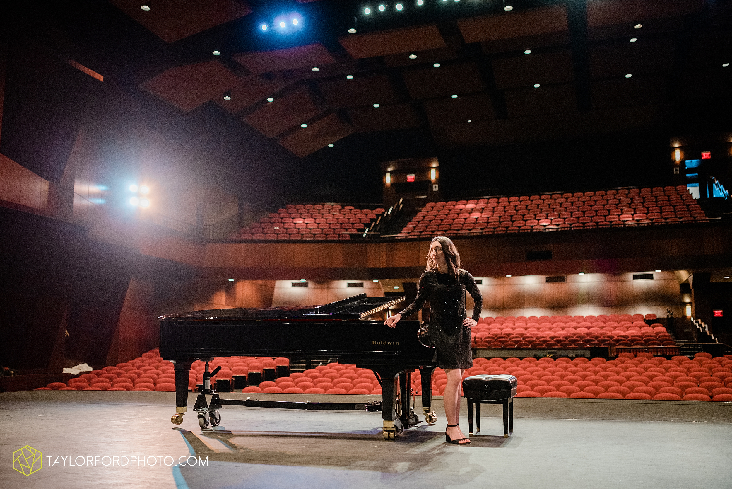 niswonger-performing-arts-center-senior-grand-piano-van-wert-ohio-photography-taylor-ford-hirschy-photographer_2114.jpg