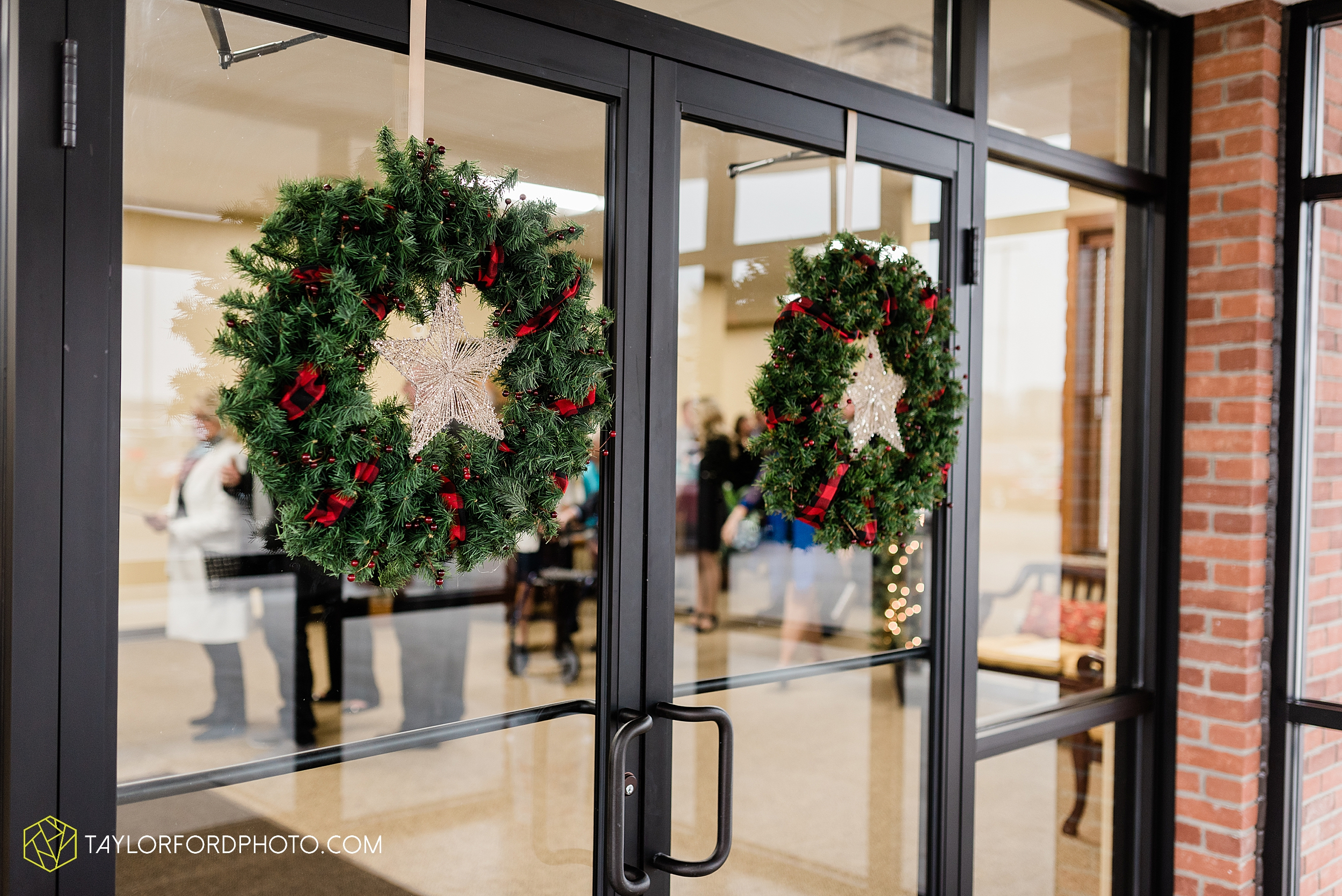 pleasant-view-church-christmas-celina-fraternal-order-of-eagles-reception-wedding-wren-willshire-van-wert-ohio-photography-taylor-ford-hirschy-photographer_2145.jpg