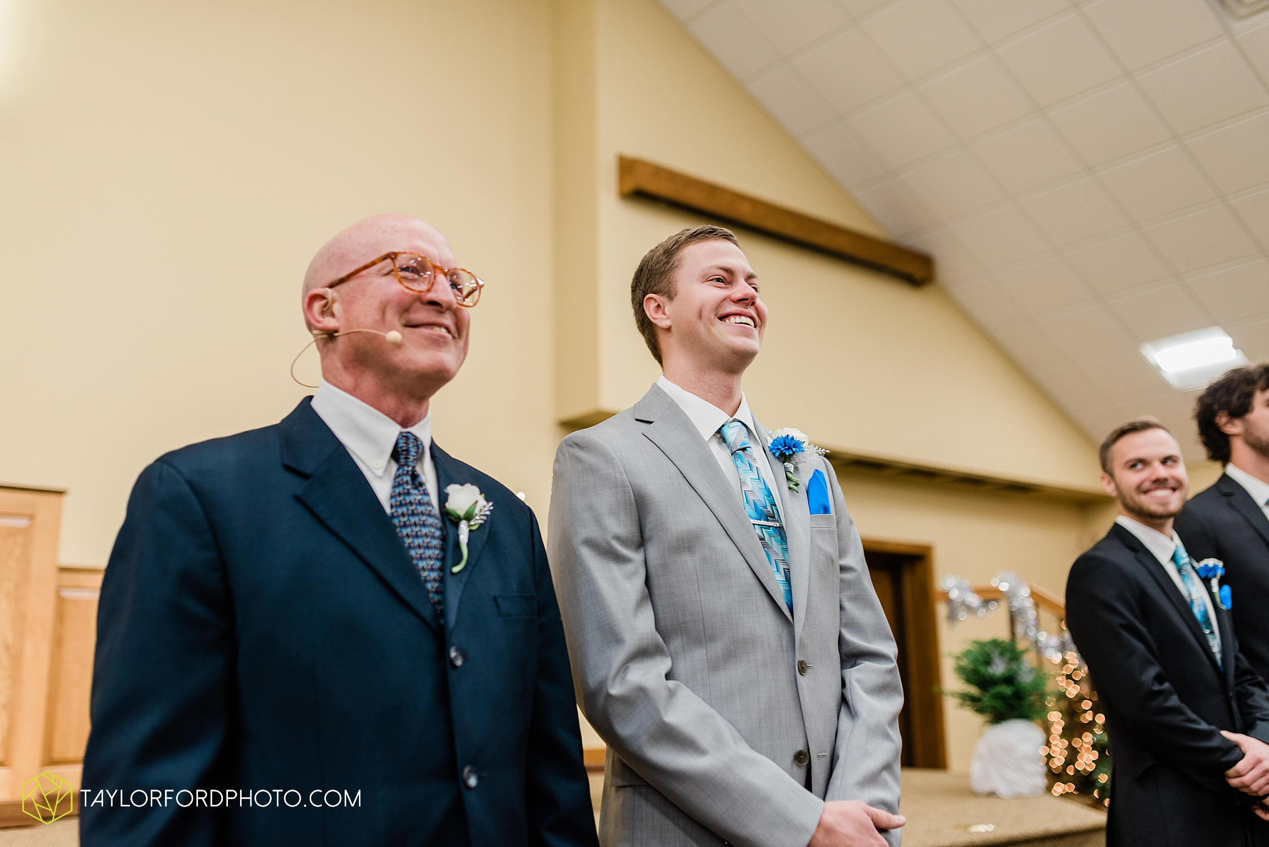 pleasant-view-church-christmas-celina-fraternal-order-of-eagles-reception-wedding-wren-willshire-van-wert-ohio-photography-taylor-ford-hirschy-photographer_2149.jpg
