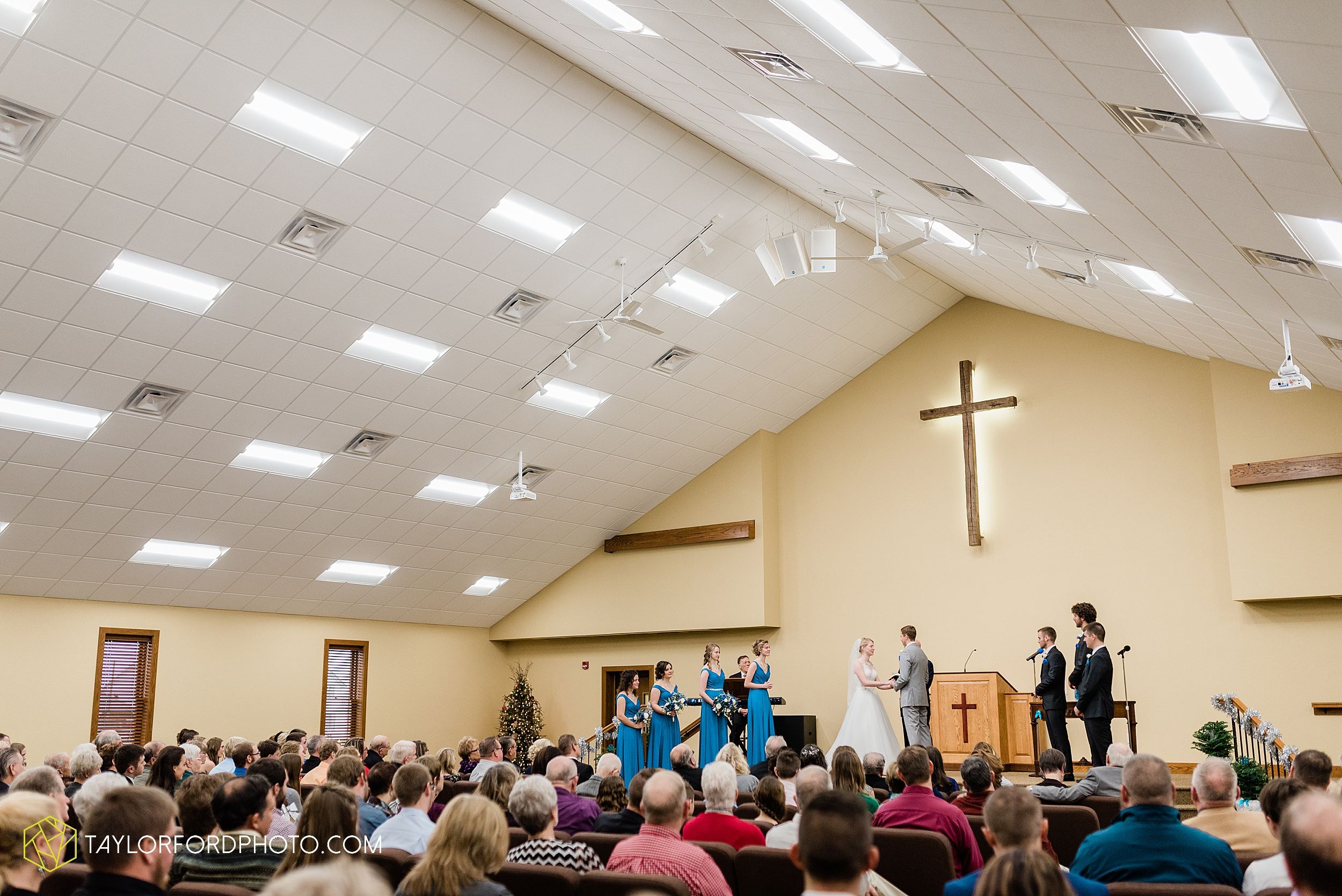 pleasant-view-church-christmas-celina-fraternal-order-of-eagles-reception-wedding-wren-willshire-van-wert-ohio-photography-taylor-ford-hirschy-photographer_2153.jpg