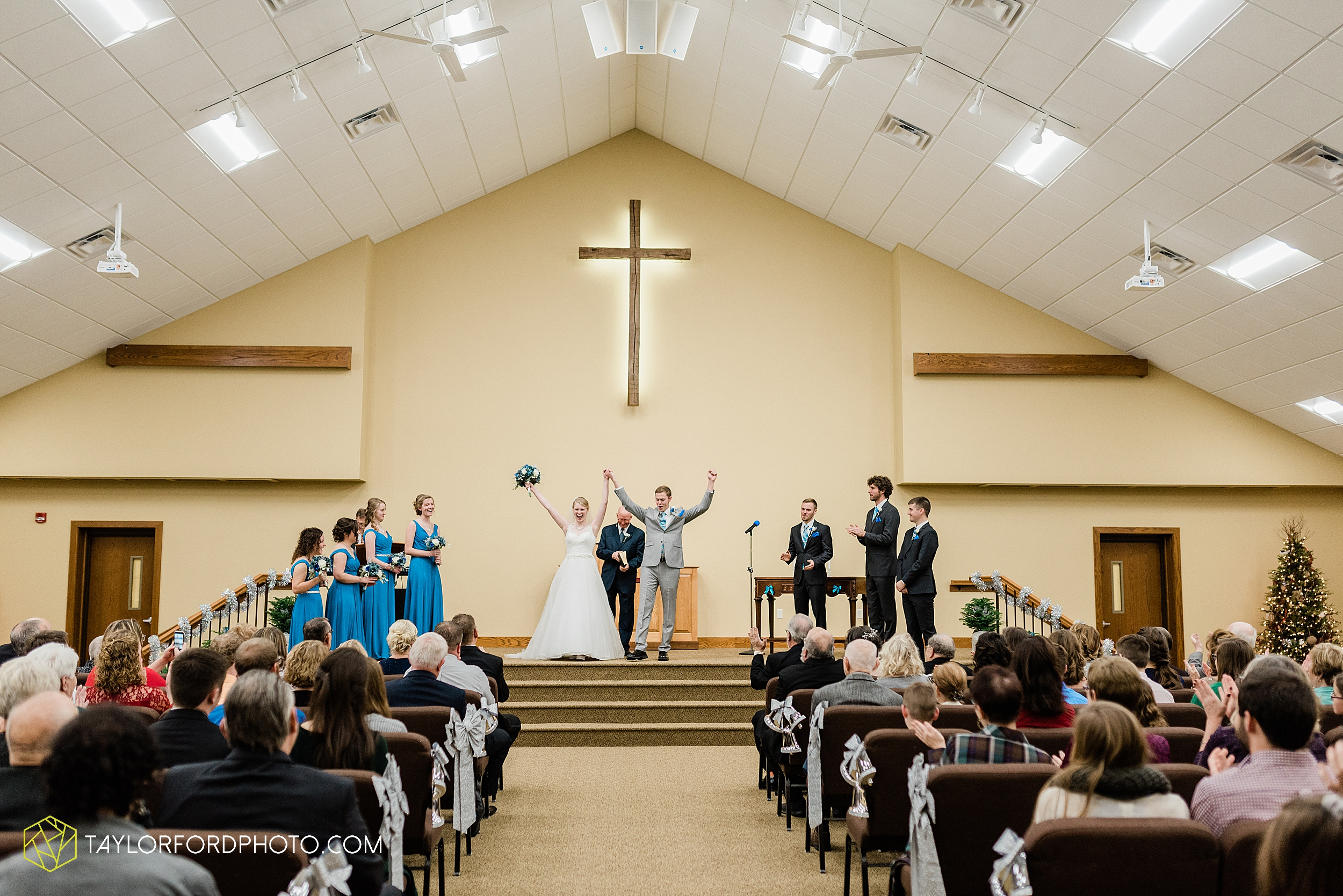 pleasant-view-church-christmas-celina-fraternal-order-of-eagles-reception-wedding-wren-willshire-van-wert-ohio-photography-taylor-ford-hirschy-photographer_2155.jpg