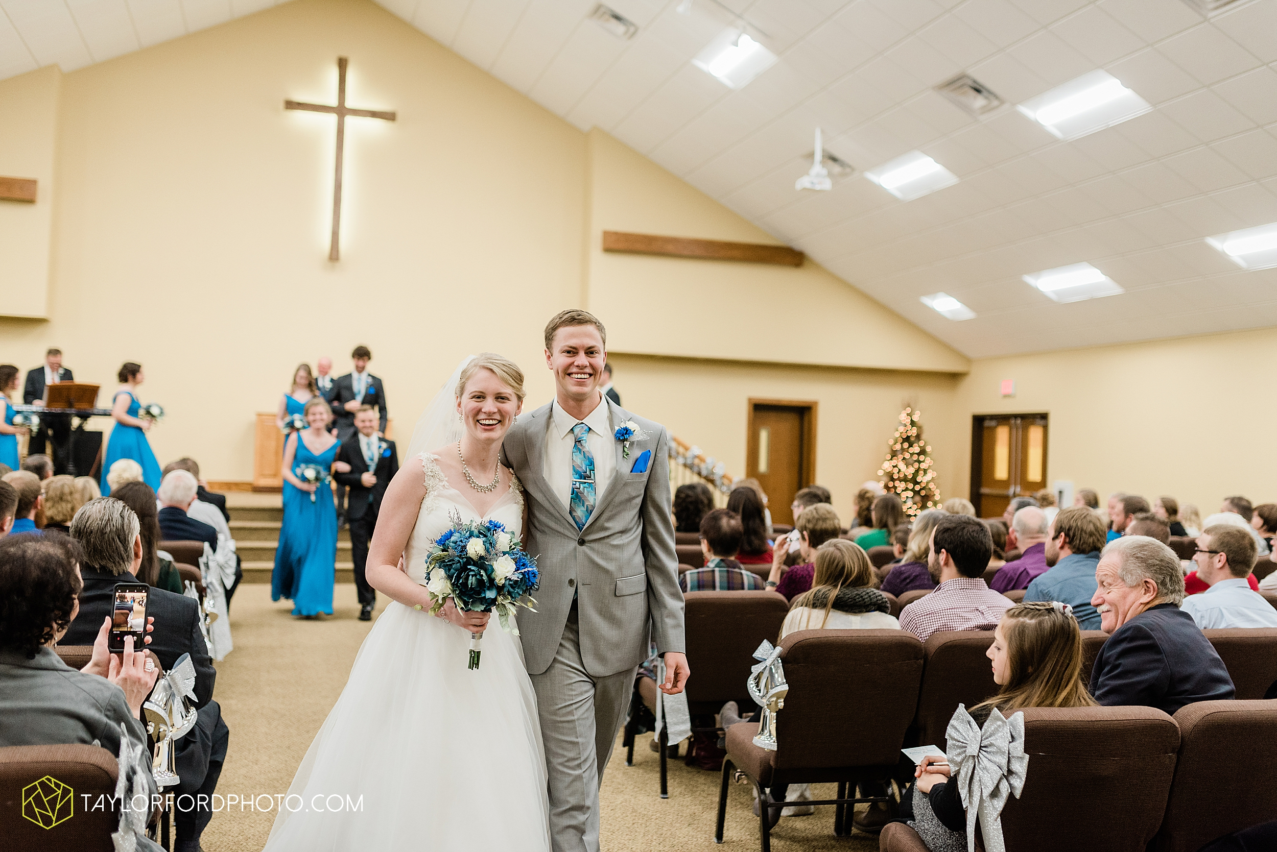 pleasant-view-church-christmas-celina-fraternal-order-of-eagles-reception-wedding-wren-willshire-van-wert-ohio-photography-taylor-ford-hirschy-photographer_2157.jpg