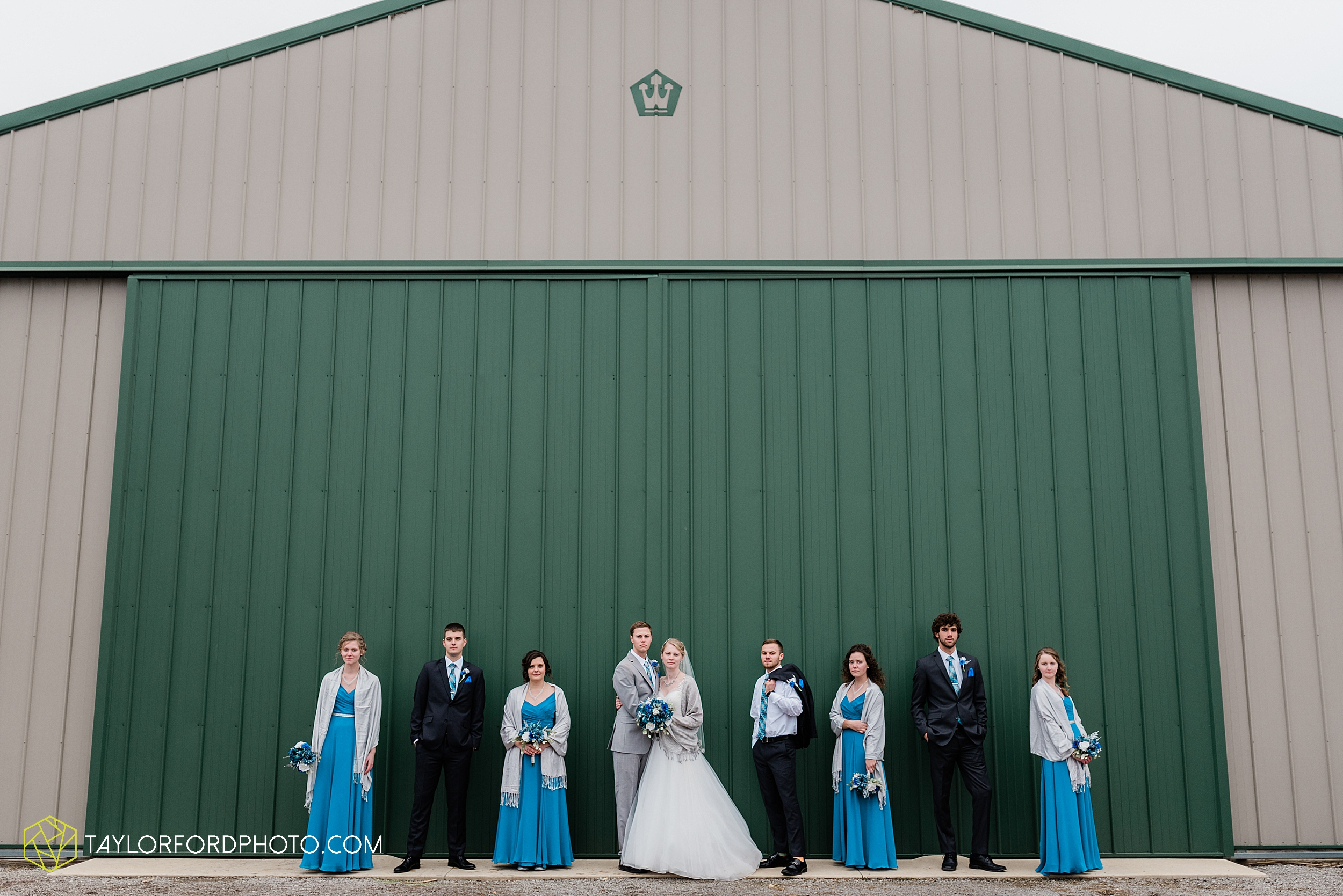 pleasant-view-church-christmas-celina-fraternal-order-of-eagles-reception-wedding-wren-willshire-van-wert-ohio-photography-taylor-ford-hirschy-photographer_2165.jpg