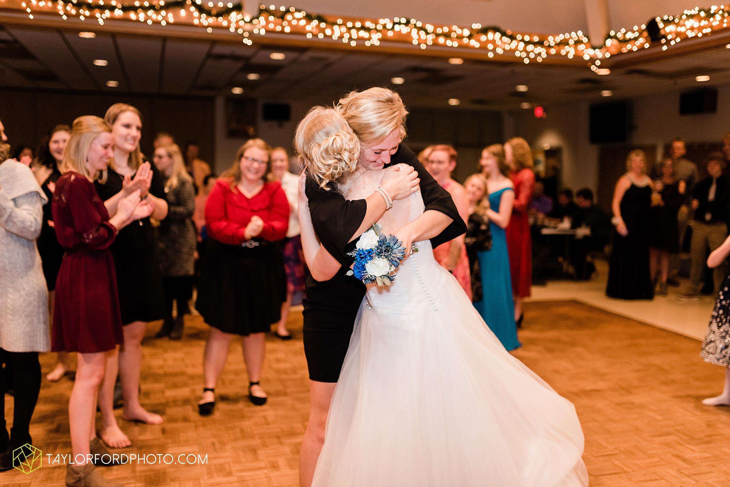 pleasant-view-church-christmas-celina-fraternal-order-of-eagles-reception-wedding-wren-willshire-van-wert-ohio-photography-taylor-ford-hirschy-photographer_2215.jpg