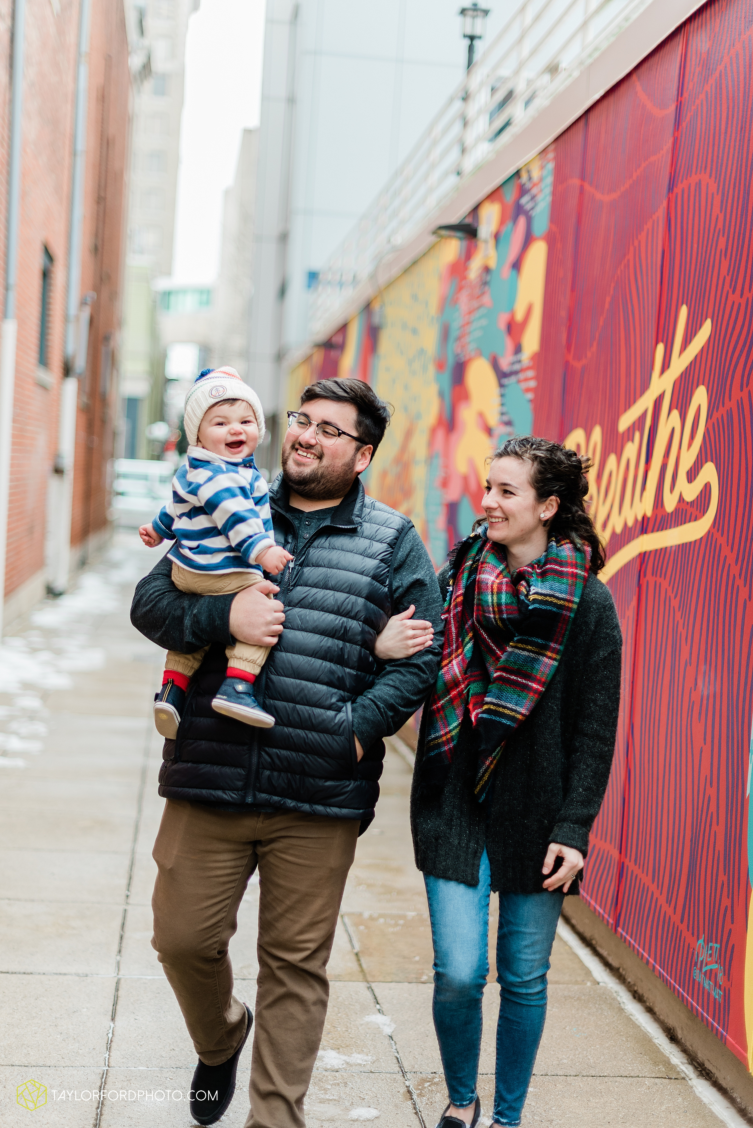 brenna-jose-fort-wayne-indiana-engagement-family-child-downtown-river-greenway-photography-taylor-ford-hirschy-photographer_2313.jpg