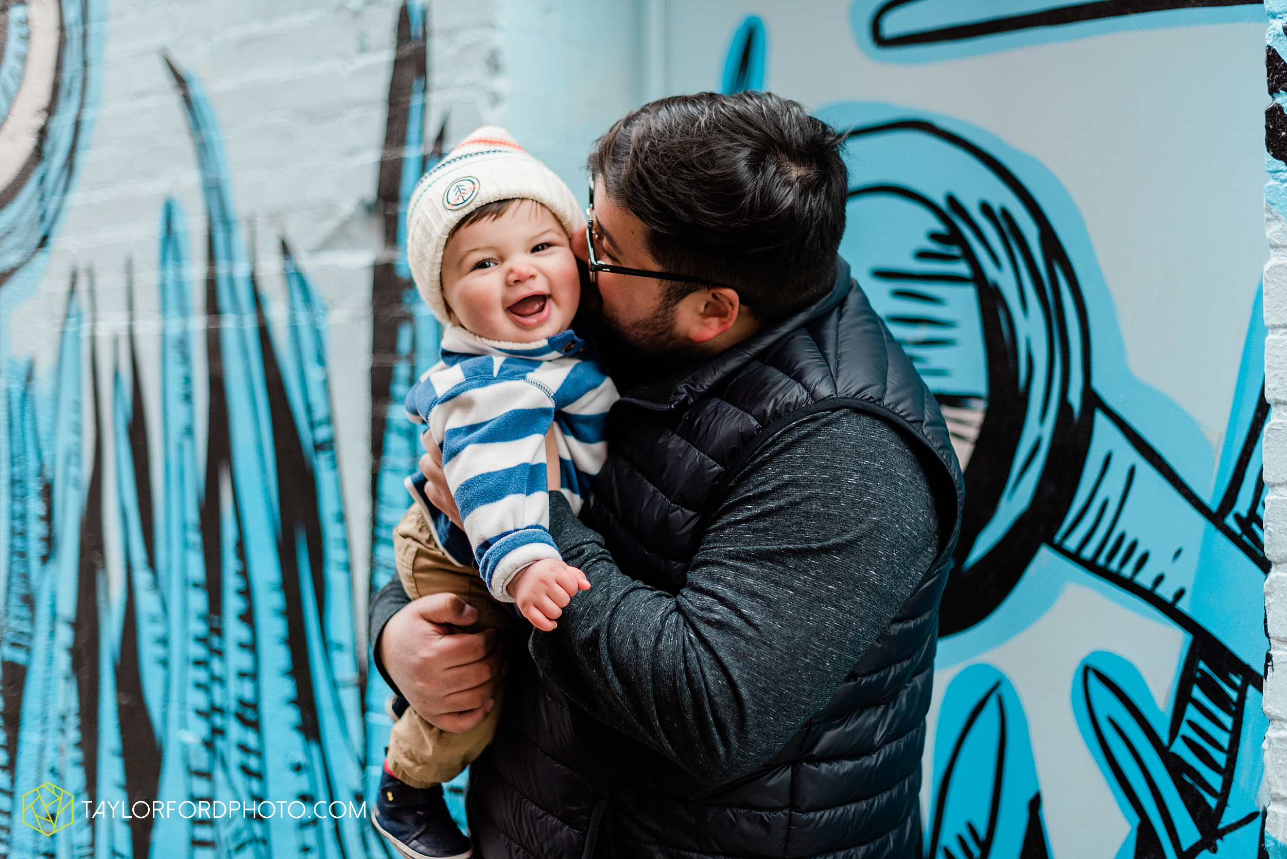 brenna-jose-fort-wayne-indiana-engagement-family-child-downtown-river-greenway-photography-taylor-ford-hirschy-photographer_2315.jpg