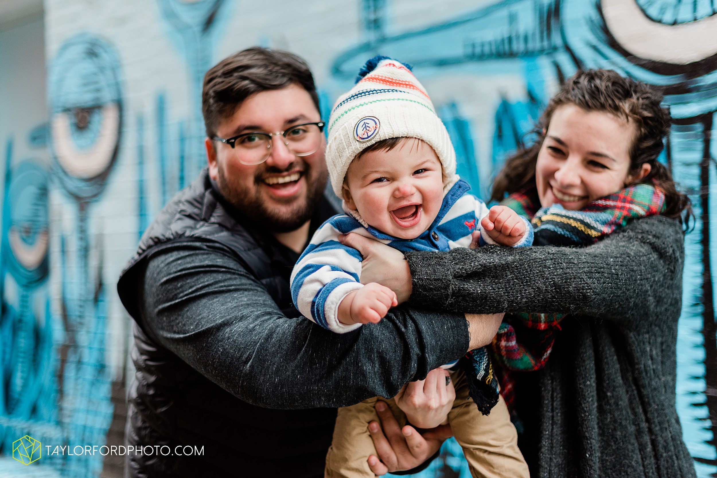 brenna-jose-fort-wayne-indiana-engagement-family-child-downtown-river-greenway-photography-taylor-ford-hirschy-photographer_2317.jpg