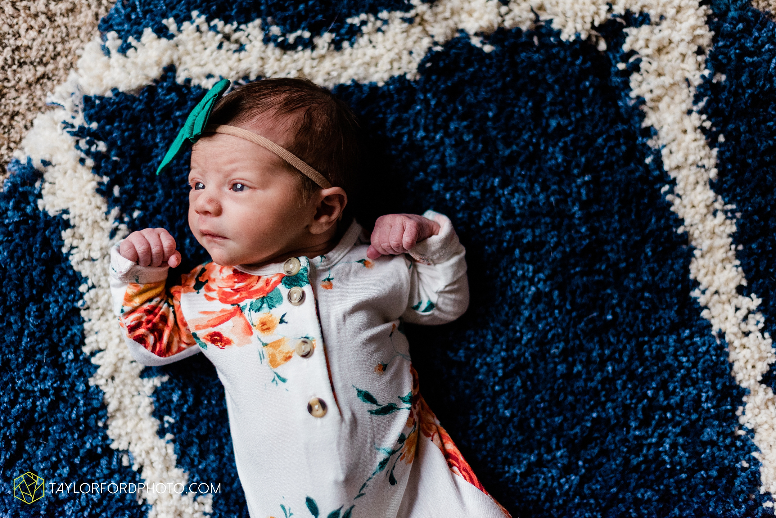 ashley-aaron-noraa-lifestyle-at-home-family-newborn-blacklick-columbus-ohio-photography-taylor-ford-hirschy-photographer_2337.jpg