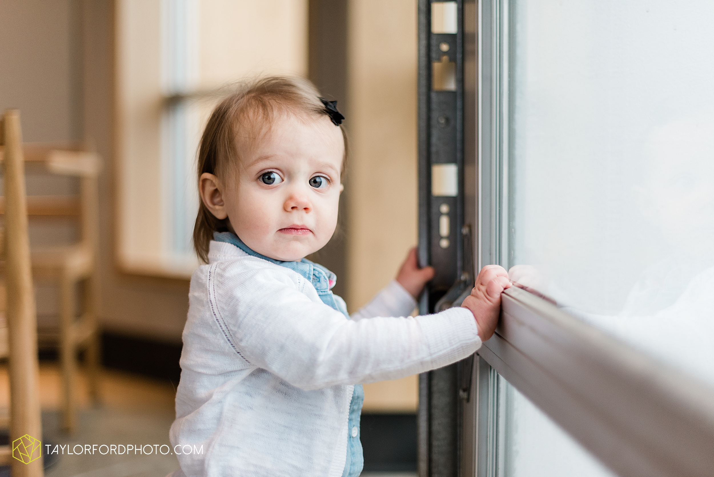 starbucks-one-1-year-old-brita-downtown-grand-wayne-at-home-family-fort-wayne-indiana-photography-taylor-ford-hirschy-photographer_2394.jpg