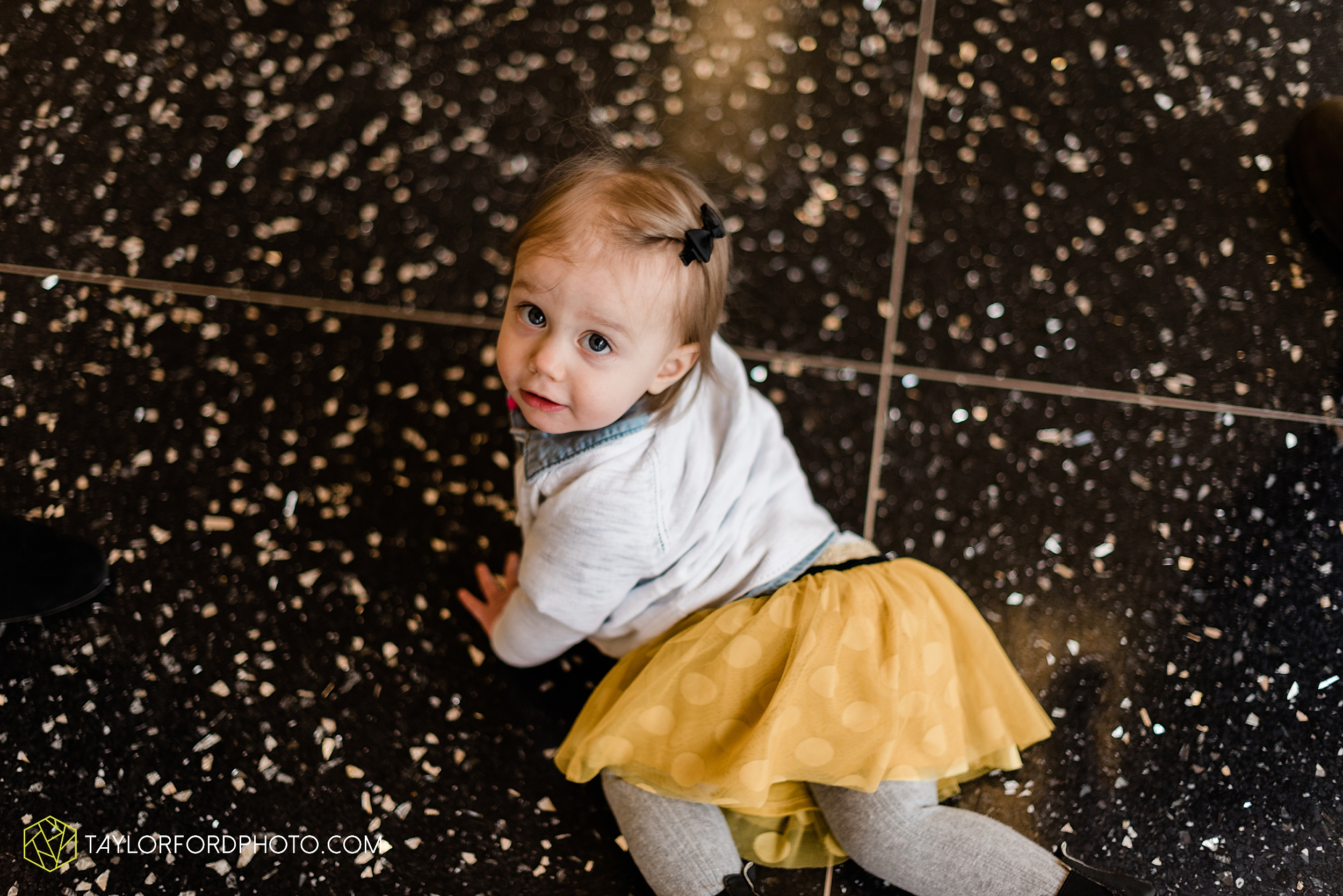 starbucks-one-1-year-old-brita-downtown-grand-wayne-at-home-family-fort-wayne-indiana-photography-taylor-ford-hirschy-photographer_2401.jpg