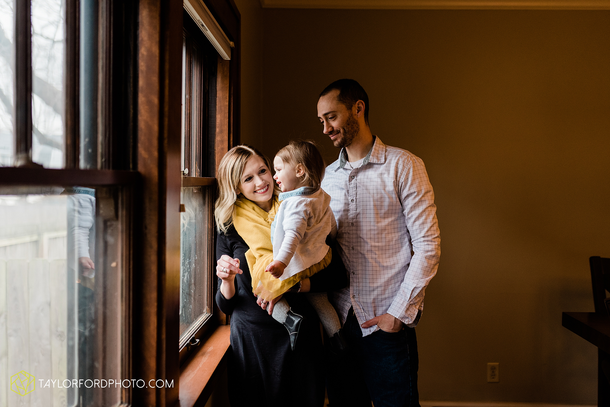 starbucks-one-1-year-old-brita-downtown-grand-wayne-at-home-family-fort-wayne-indiana-photography-taylor-ford-hirschy-photographer_2408.jpg