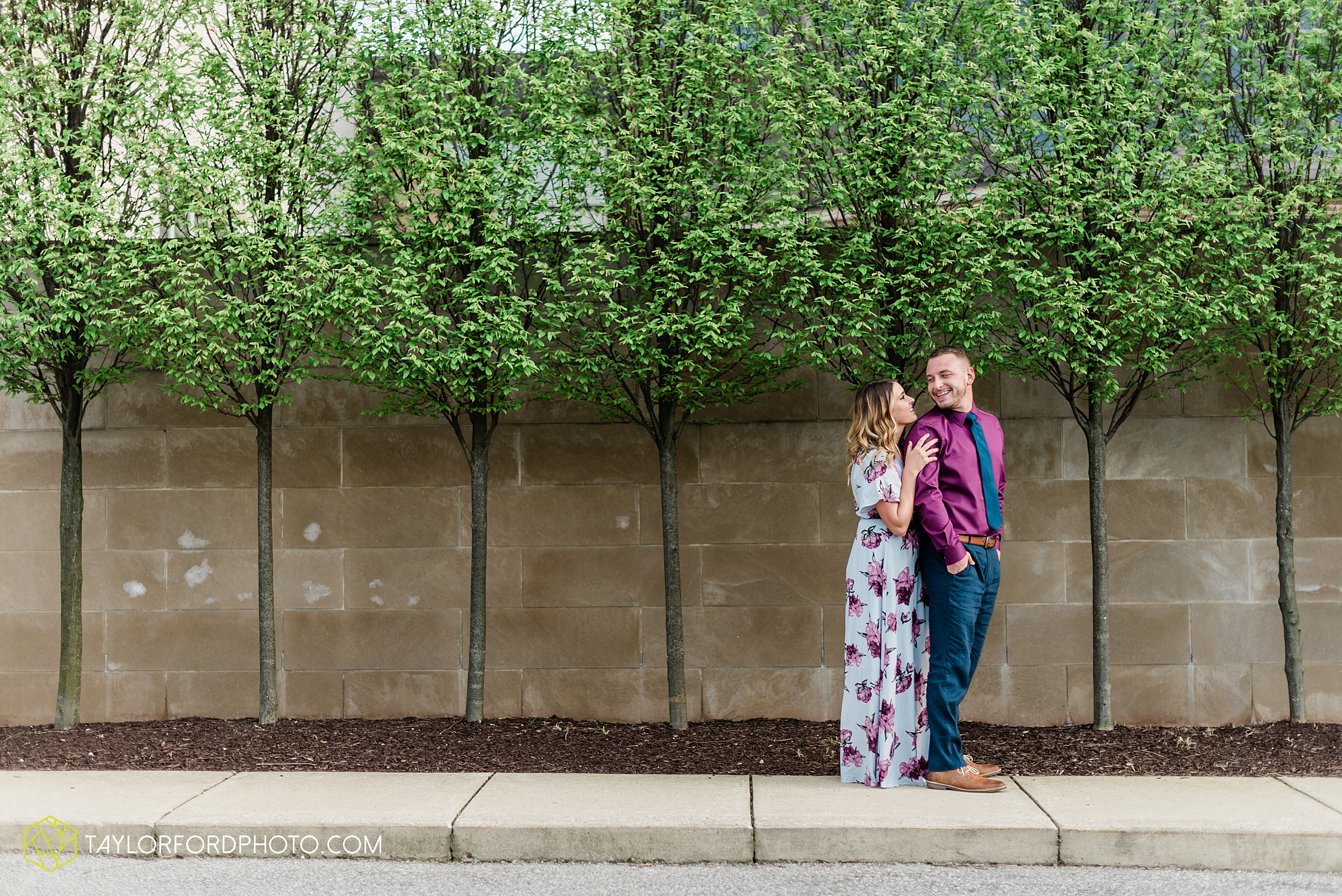 aly-taylor-downtown-fort-wayne-indiana-spring-engagement-photographer-photography-taylor-ford-hirschy-photographer_2586.jpg