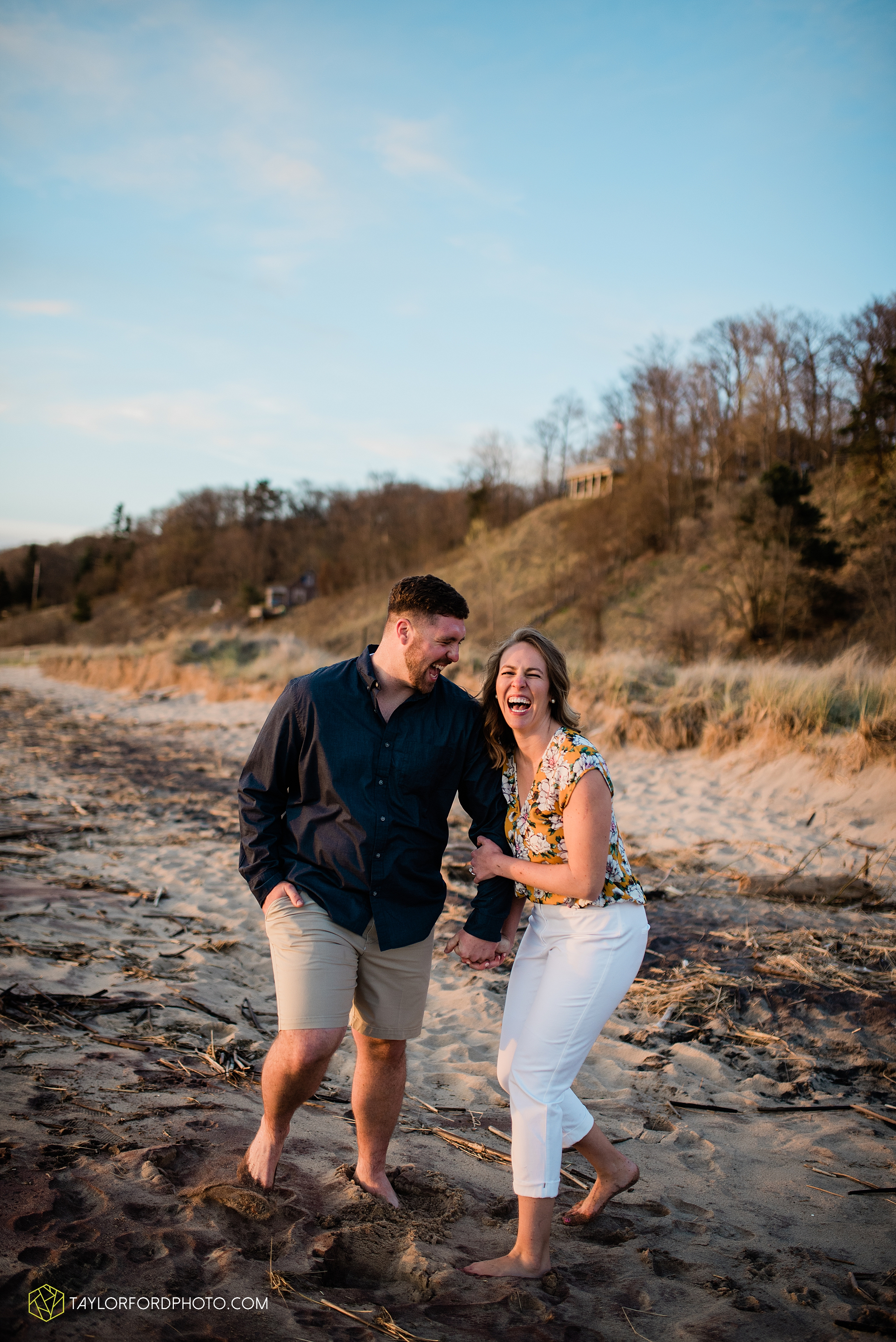 holland-michigan-tulip-time-downtown-hope-college-riverside-park-laketown-beach-lake-michigan-engagement-photographer-photography-taylor-ford-hirschy-photographer_2624.jpg
