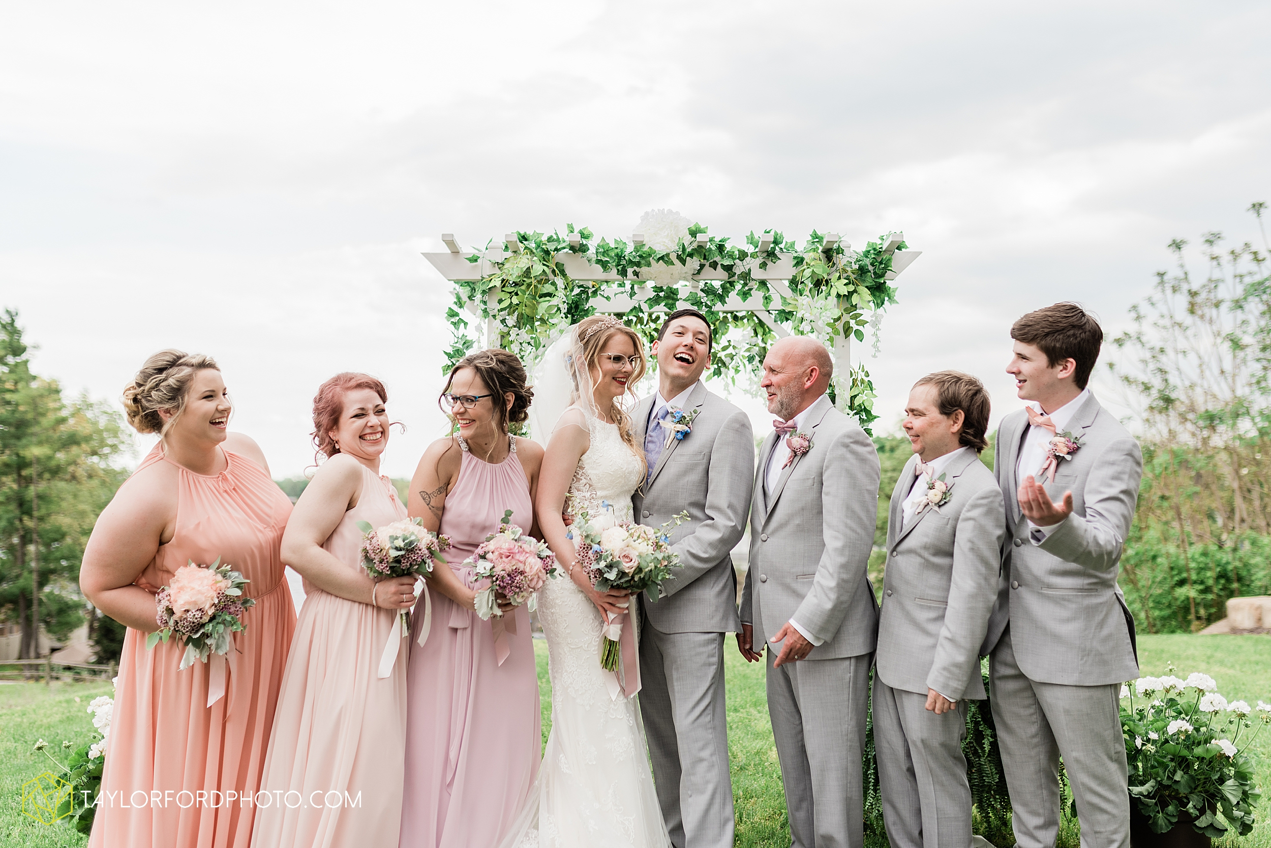 janine-shaun-oakwood-resort-syracuse-indiana-lake-wawasee-wedding-hilltop-one-fine-day-photographer-photography-taylor-ford-hirschy-photographer_2763.jpg