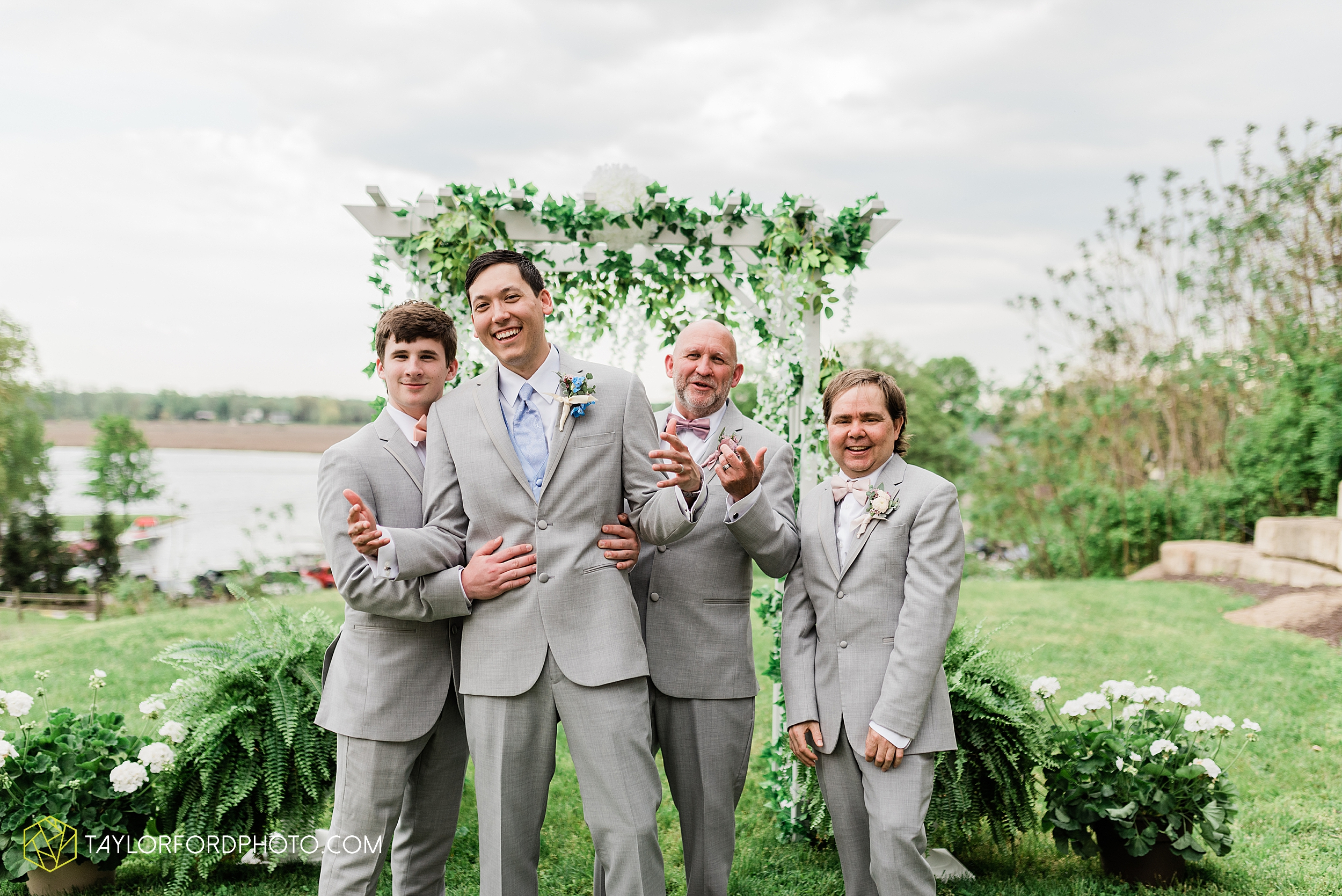 janine-shaun-oakwood-resort-syracuse-indiana-lake-wawasee-wedding-hilltop-one-fine-day-photographer-photography-taylor-ford-hirschy-photographer_2764.jpg