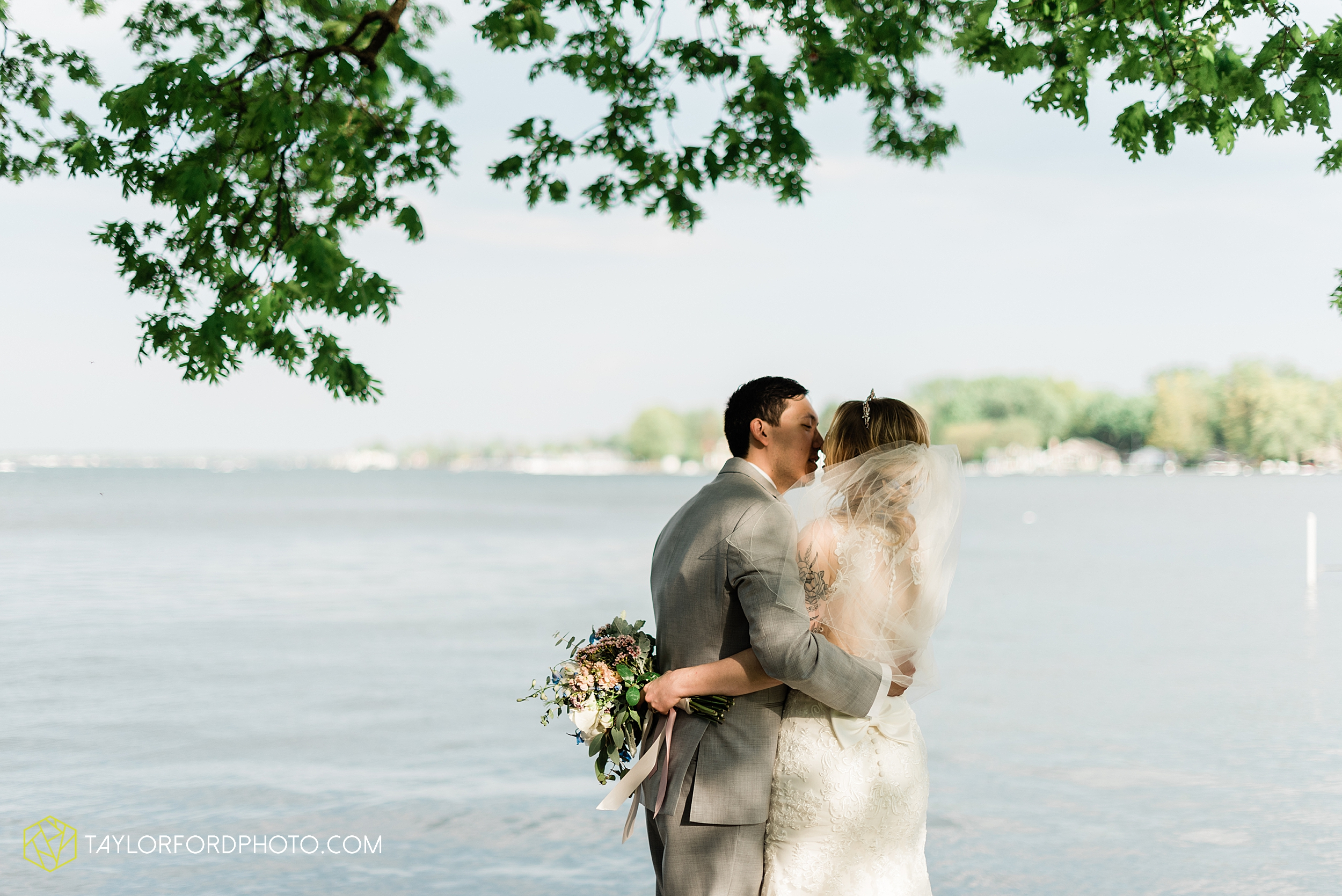 janine-shaun-oakwood-resort-syracuse-indiana-lake-wawasee-wedding-hilltop-one-fine-day-photographer-photography-taylor-ford-hirschy-photographer_2776.jpg