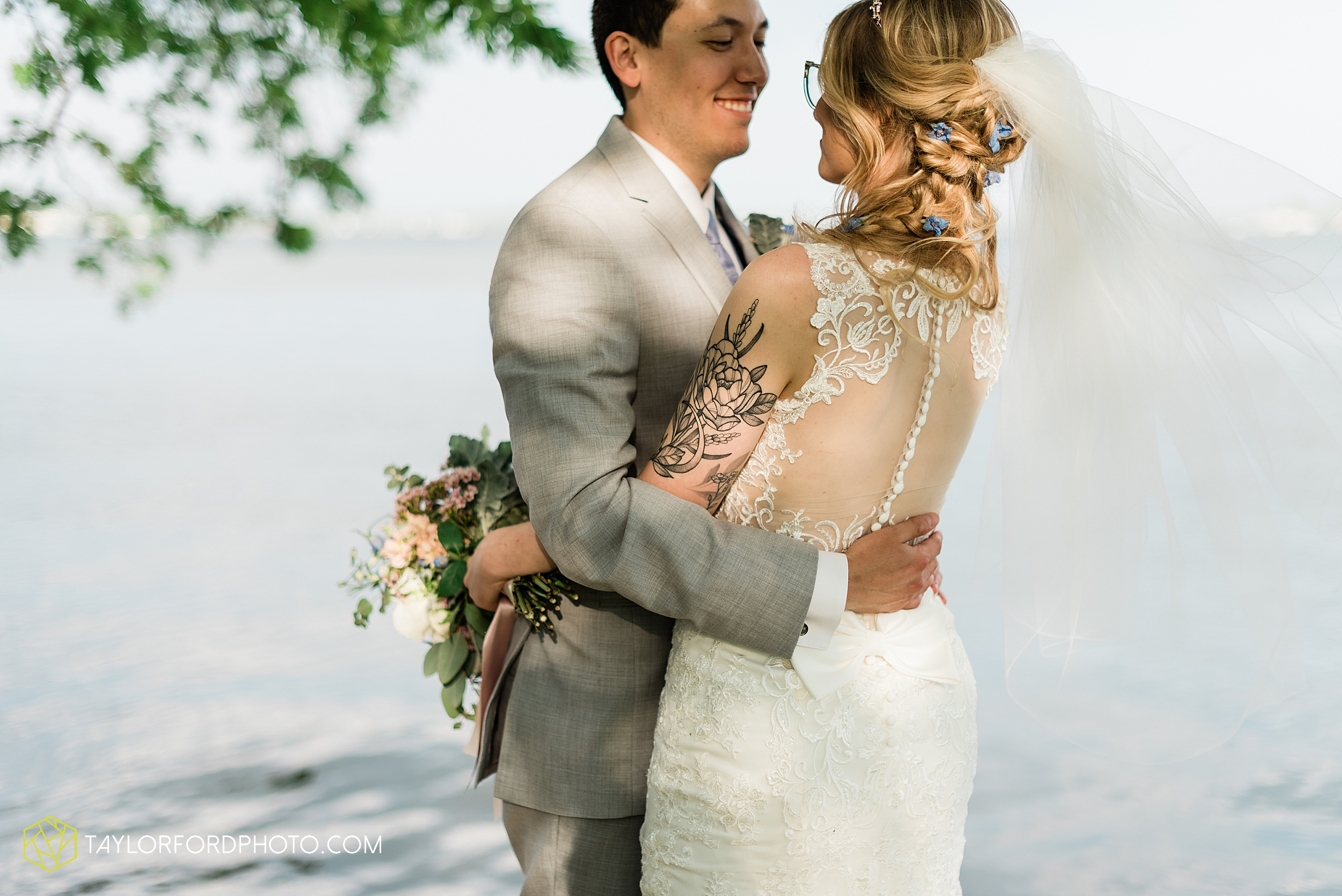 janine-shaun-oakwood-resort-syracuse-indiana-lake-wawasee-wedding-hilltop-one-fine-day-photographer-photography-taylor-ford-hirschy-photographer_2777.jpg