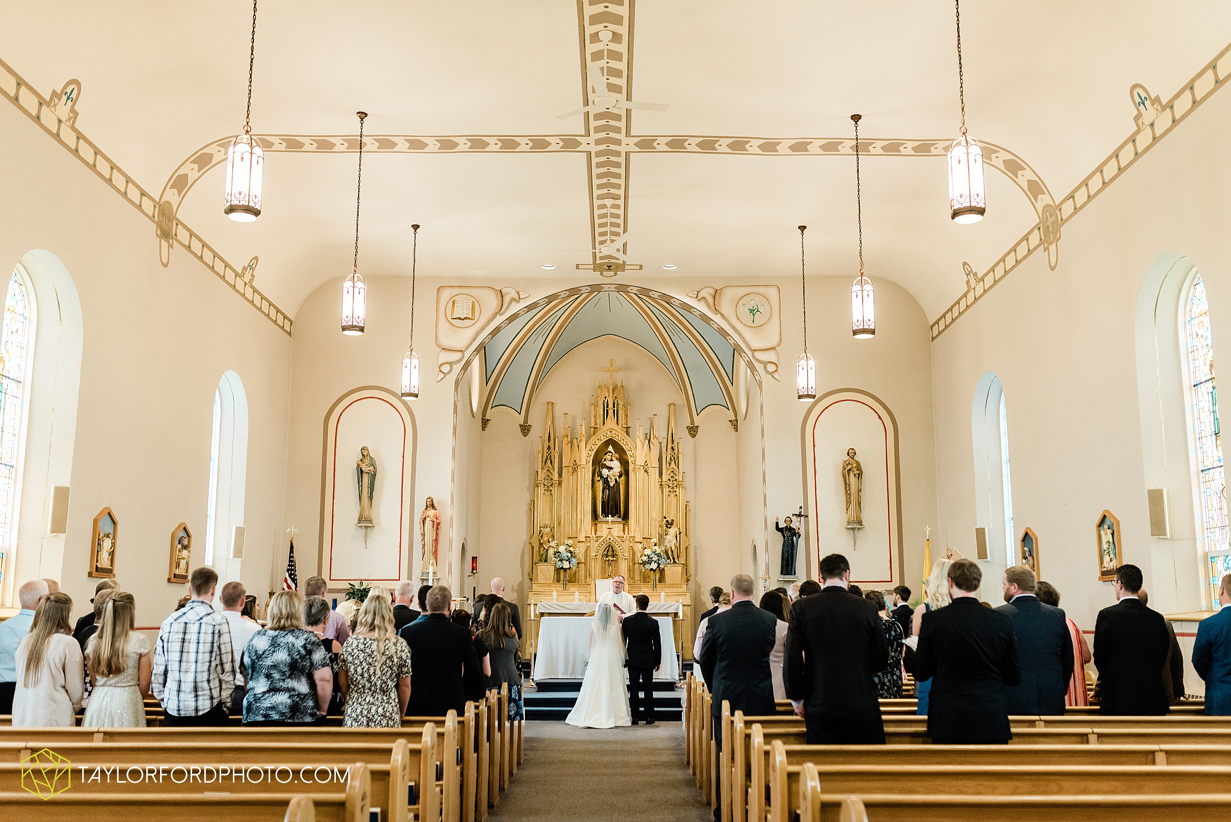 fort-recovery-ohio-saint-anthony-church-columbia-city-joseph-decuis-farmstead-tri-lakes-shriner-lake-wawasee-wedding-photographer-photography-taylor-ford-hirschy-photographer_2869.jpg