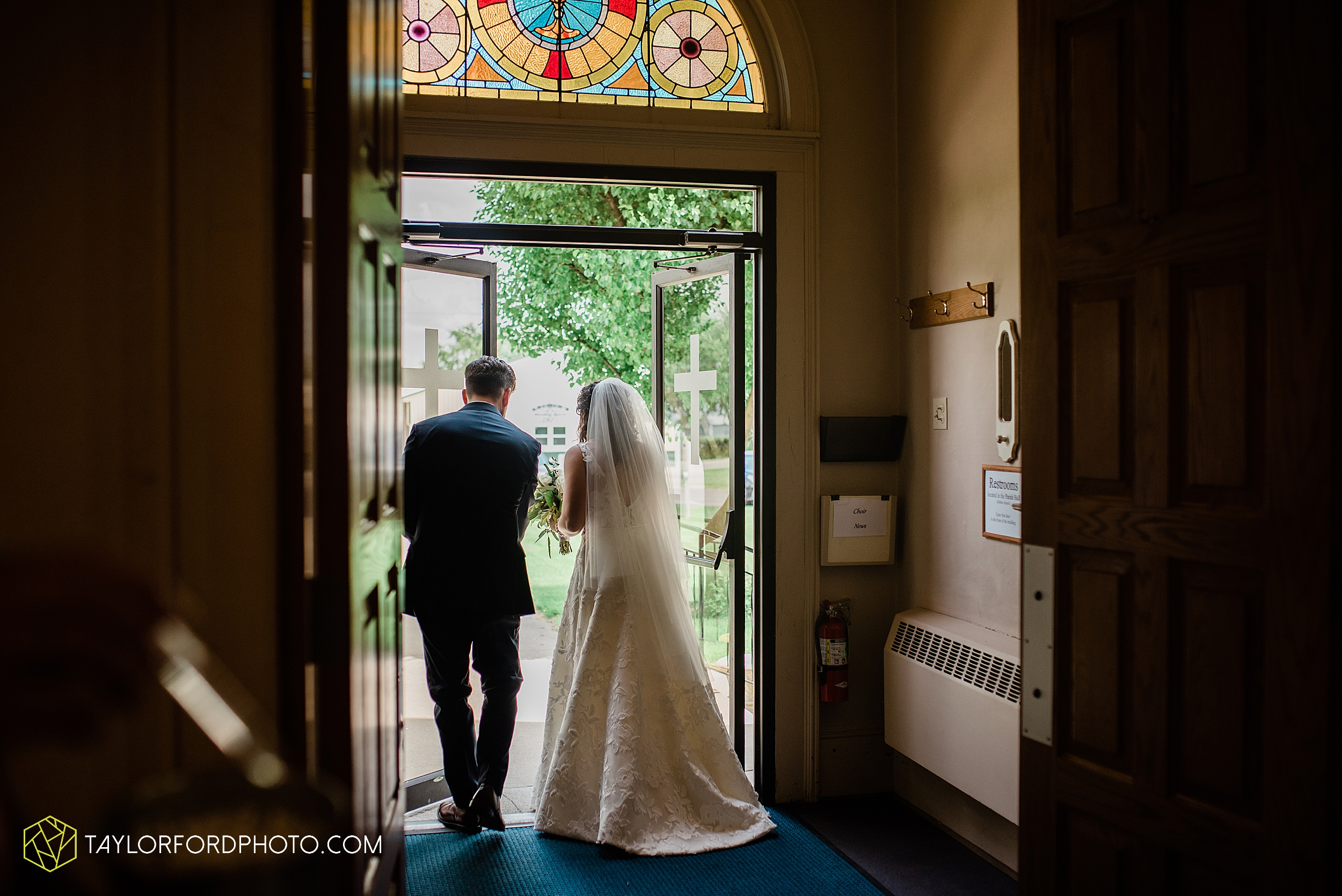 fort-recovery-ohio-saint-anthony-church-columbia-city-joseph-decuis-farmstead-tri-lakes-shriner-lake-wawasee-wedding-photographer-photography-taylor-ford-hirschy-photographer_2880.jpg