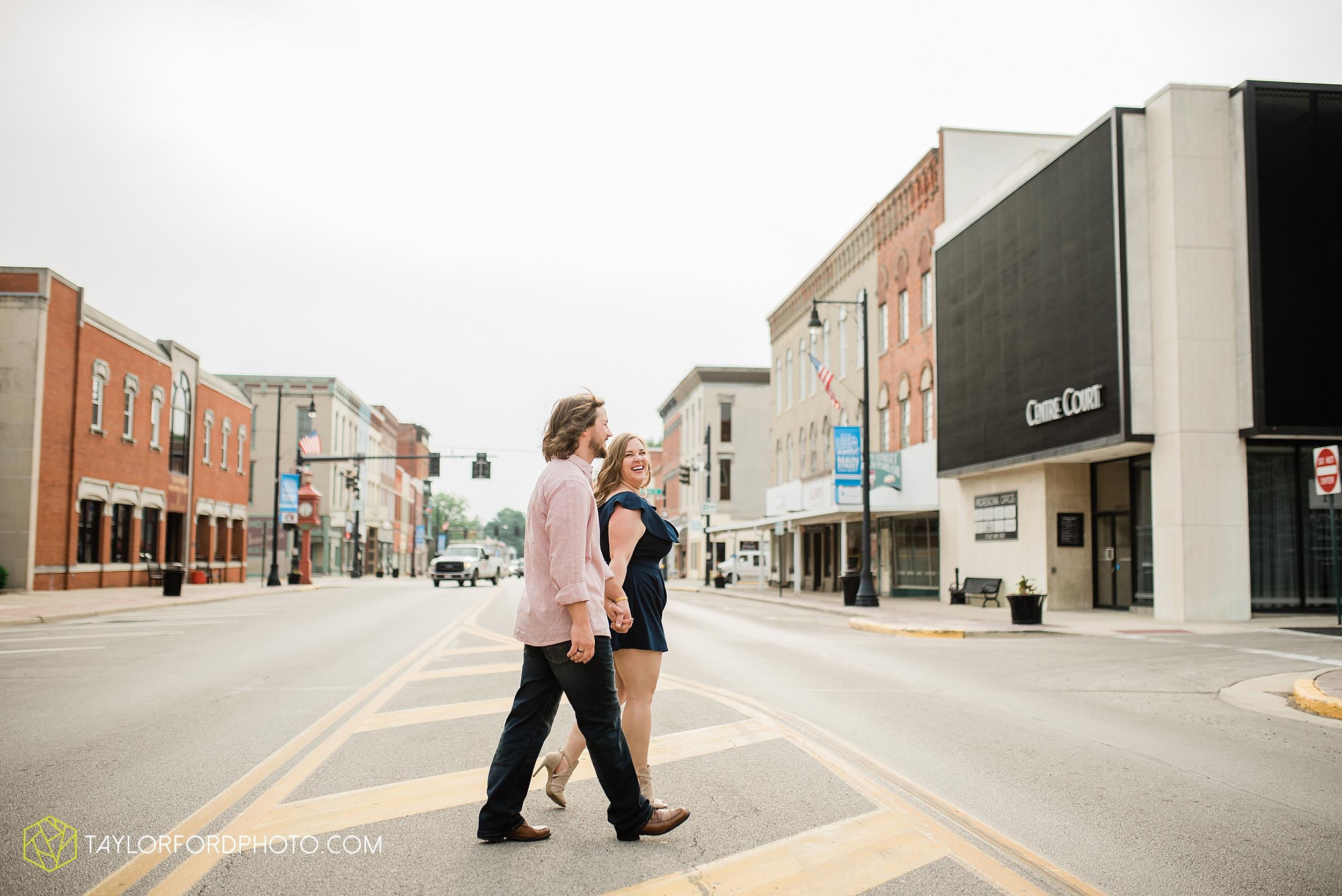 northwest-downtown-nature-summer-van-wert-ohio-engagement-photography-taylor-ford-hirschy-photographer_3158.jpg