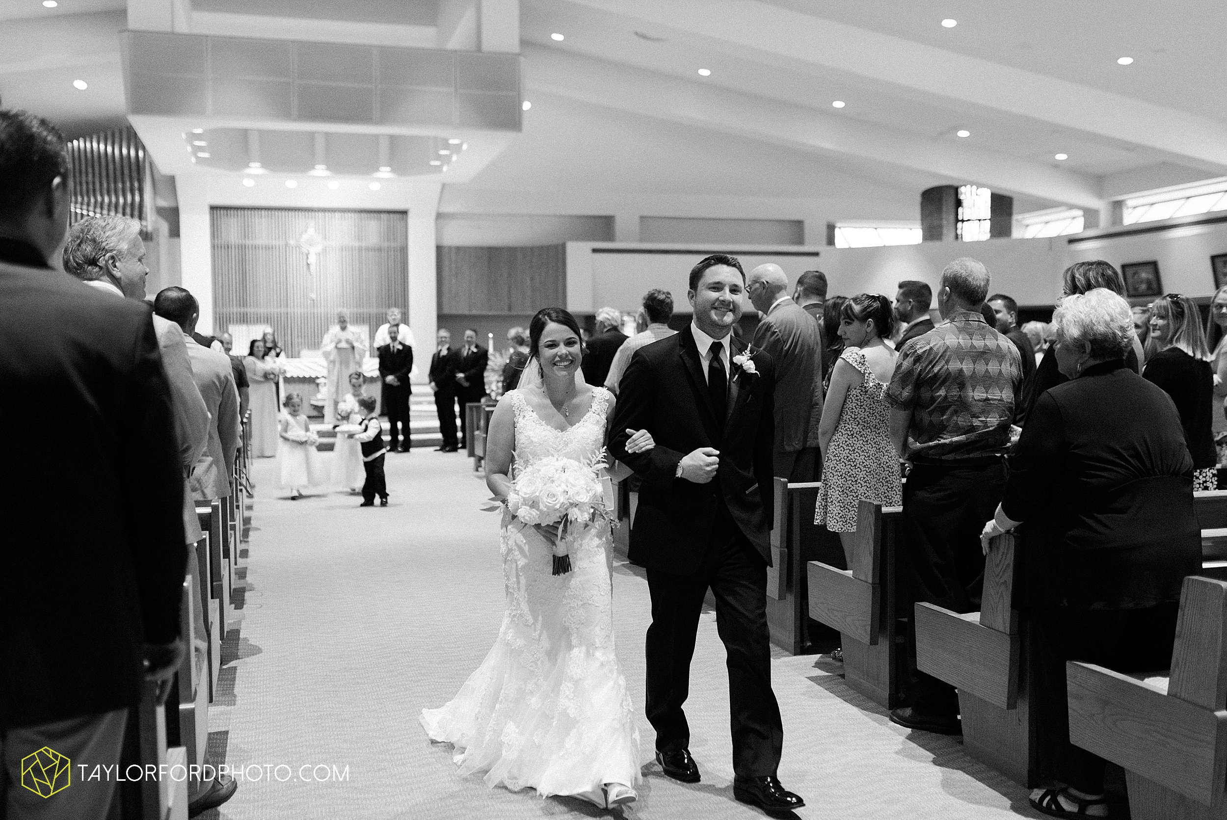 sullivan-st-francis-university-performing-arts-center-usf-saint-charles-borromeo-catholic-church-downtown-fort-wayne-indiana-wedding-photography-taylor-ford-hirschy-photographer_3226.jpg