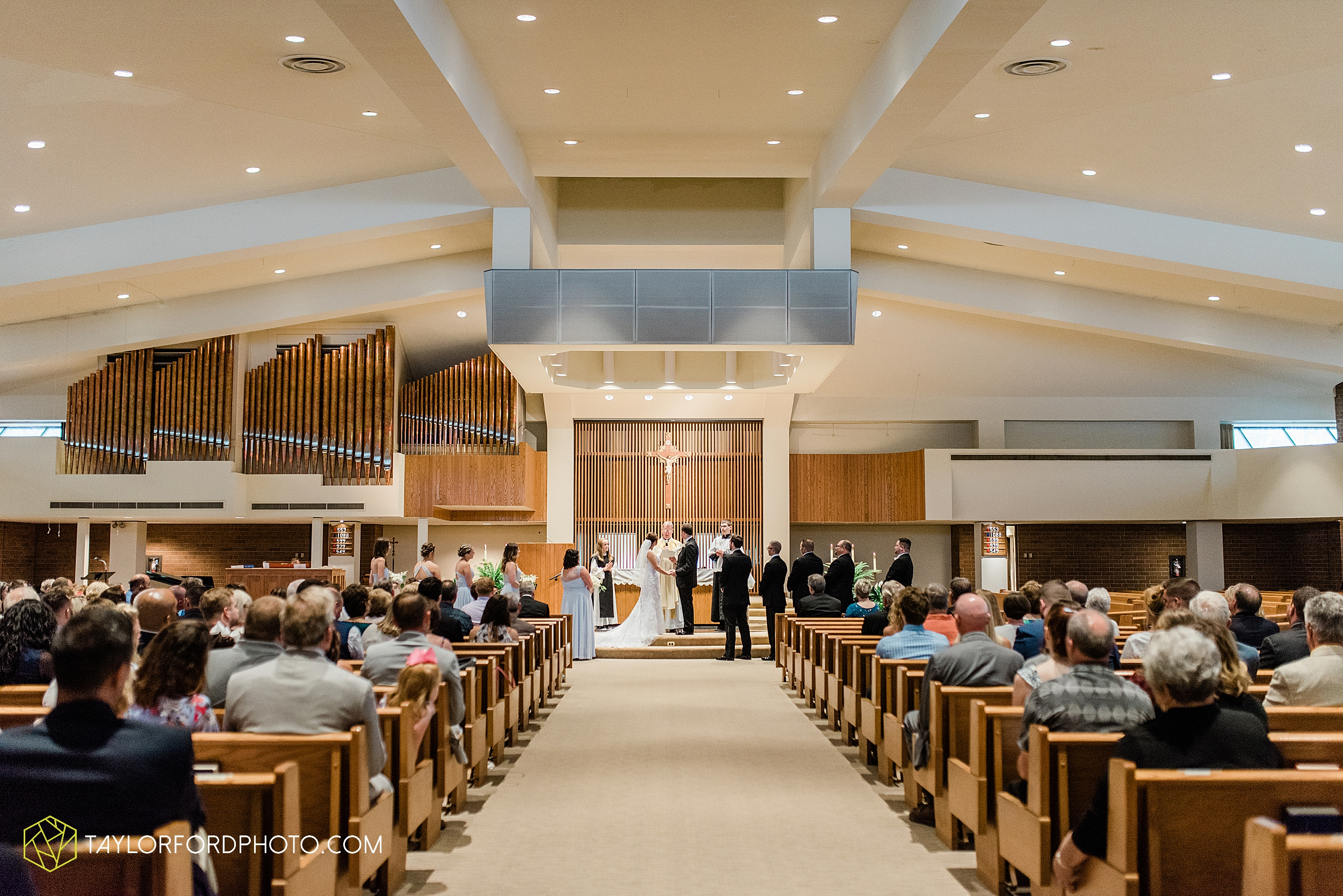 sullivan-st-francis-university-performing-arts-center-usf-saint-charles-borromeo-catholic-church-downtown-fort-wayne-indiana-wedding-photography-taylor-ford-hirschy-photographer_3225.jpg