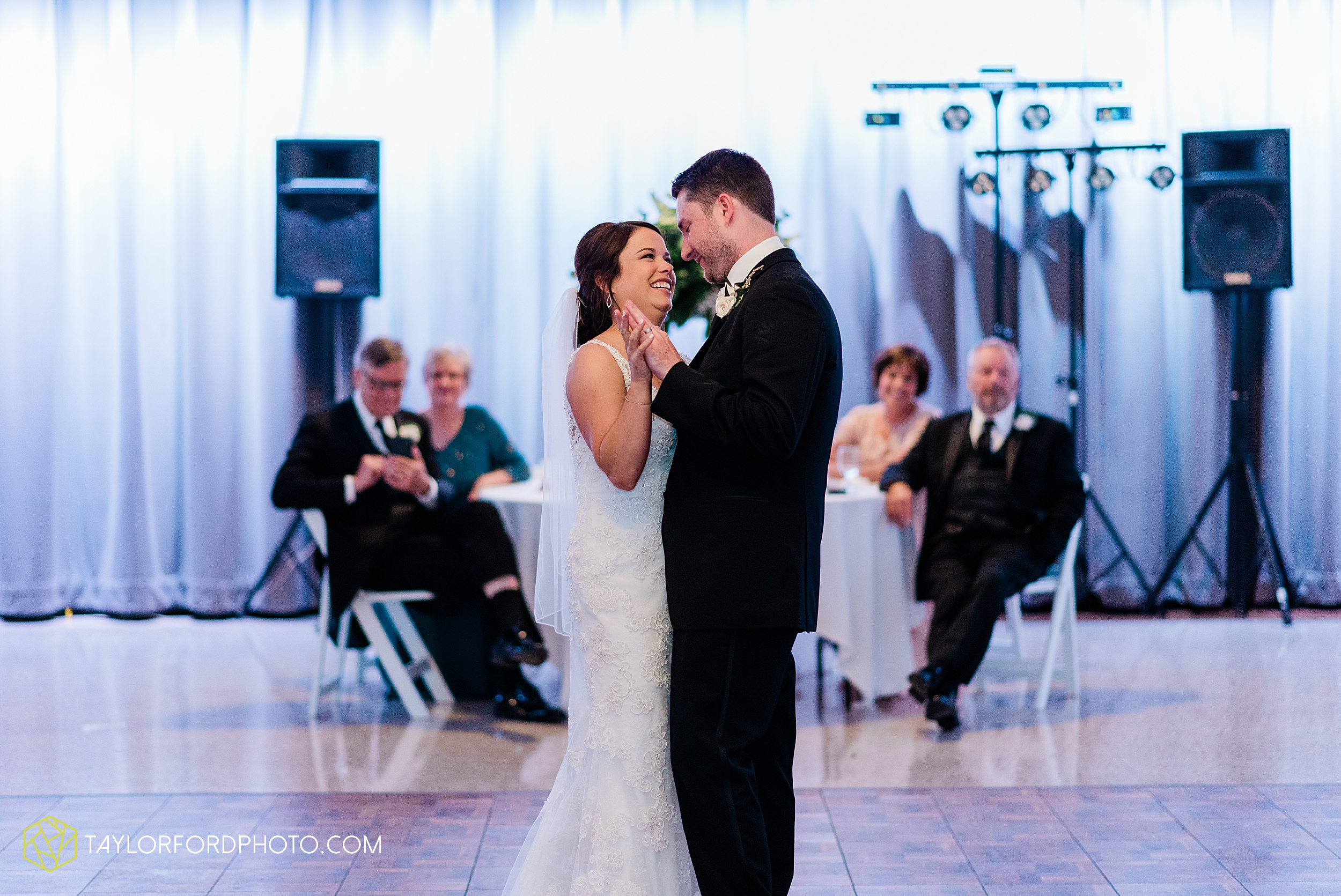 sullivan-st-francis-university-performing-arts-center-usf-saint-charles-borromeo-catholic-church-downtown-fort-wayne-indiana-wedding-photography-taylor-ford-hirschy-photographer_3253.jpg