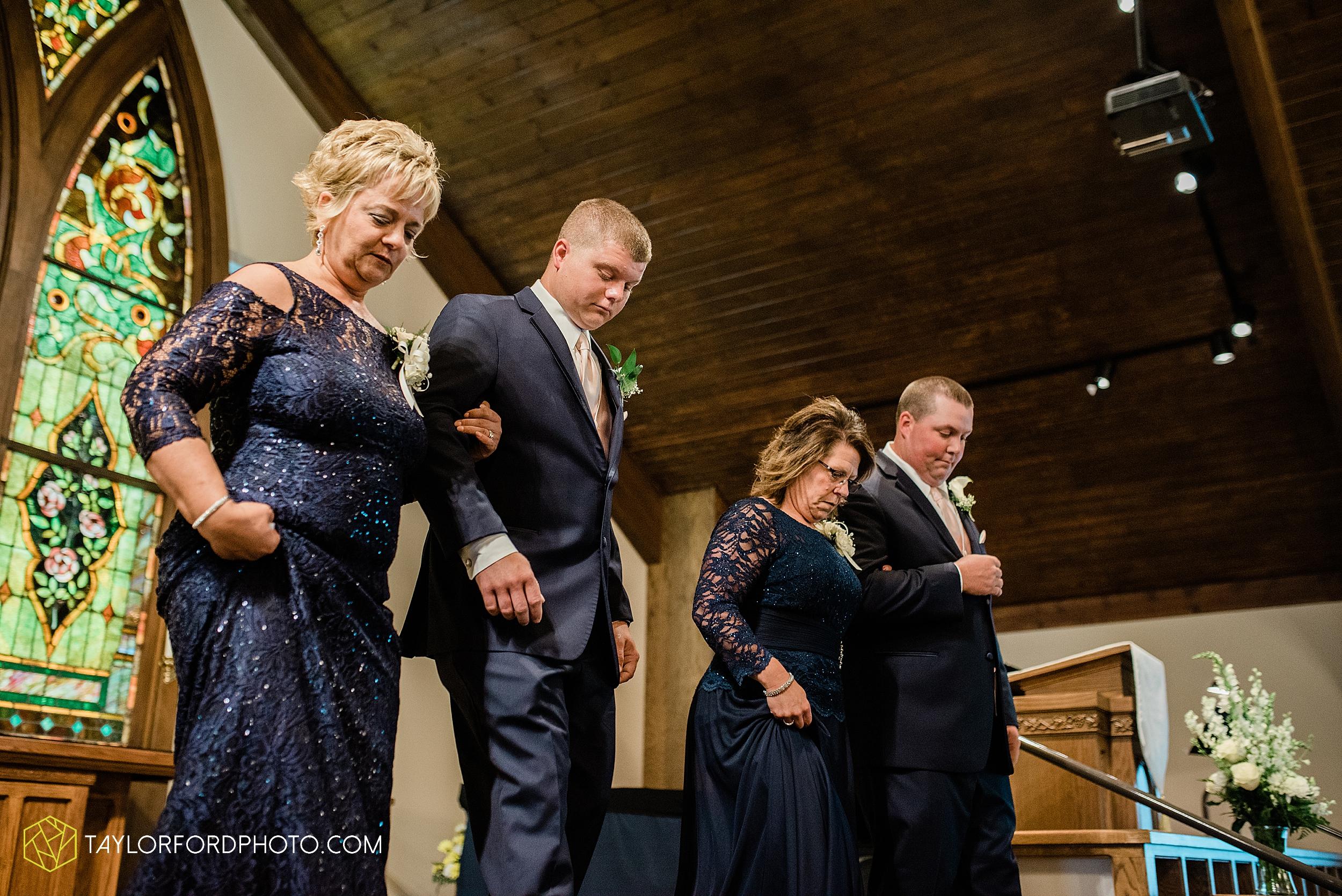 carly-trent-lima-elida-ohio-wedding-the-met-civic-center-reception-immanuel-united-methodist-church-photography-taylor-ford-hirschy-photographer_3342.jpg