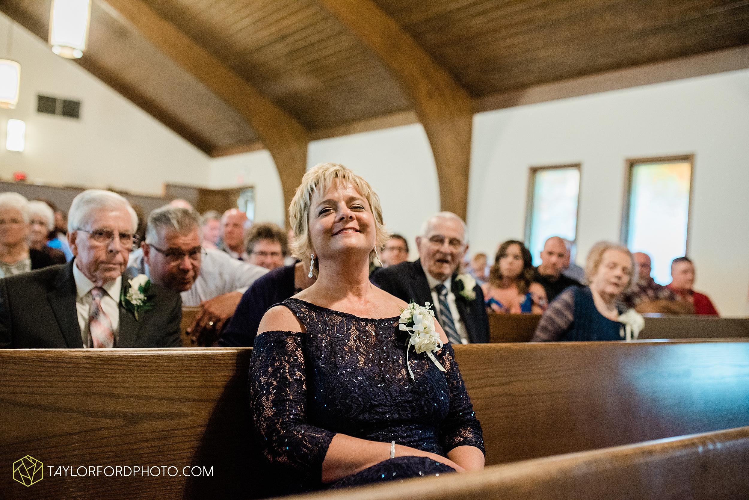 carly-trent-lima-elida-ohio-wedding-the-met-civic-center-reception-immanuel-united-methodist-church-photography-taylor-ford-hirschy-photographer_3343.jpg