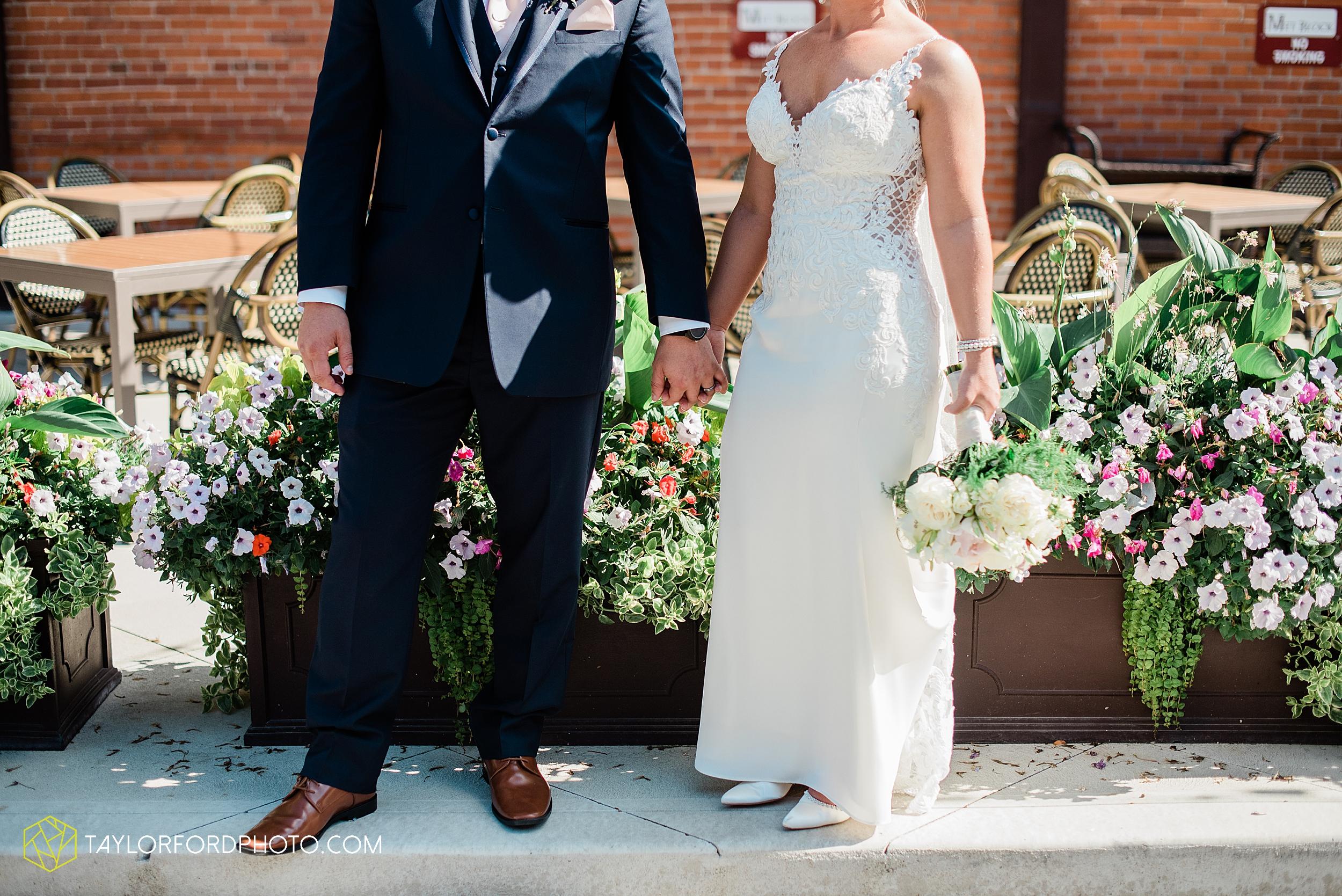 carly-trent-lima-elida-ohio-wedding-the-met-civic-center-reception-immanuel-united-methodist-church-photography-taylor-ford-hirschy-photographer_3357.jpg