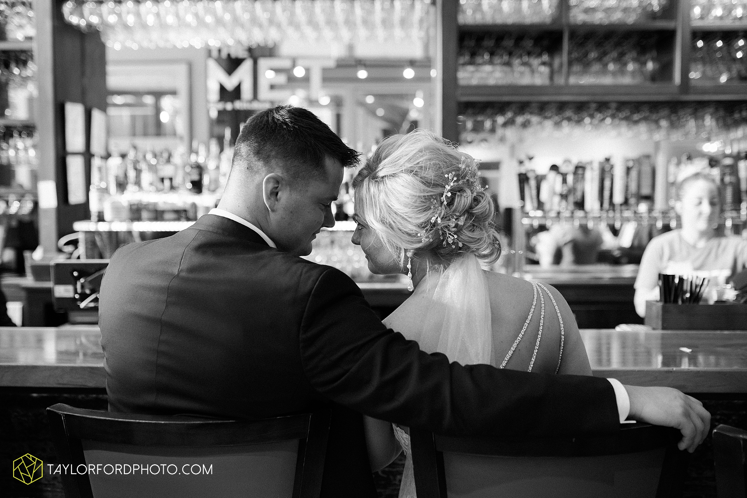 carly-trent-lima-elida-ohio-wedding-the-met-civic-center-reception-immanuel-united-methodist-church-photography-taylor-ford-hirschy-photographer_3360.jpg
