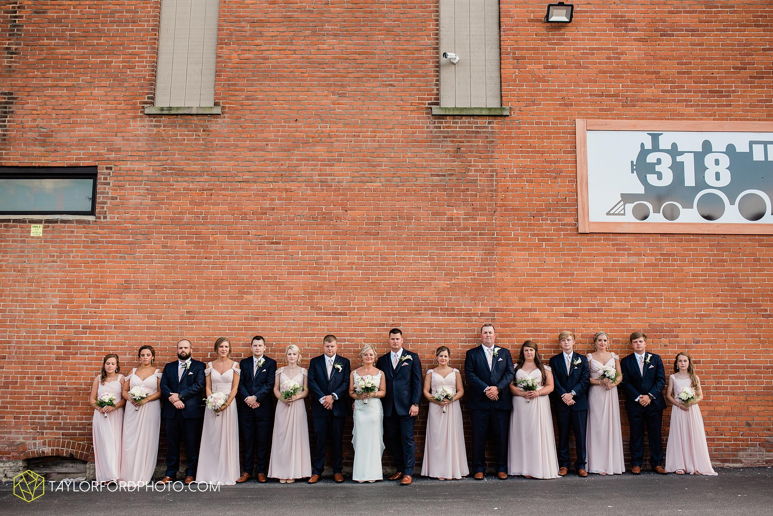 carly-trent-lima-elida-ohio-wedding-the-met-civic-center-reception-immanuel-united-methodist-church-photography-taylor-ford-hirschy-photographer_3366.jpg