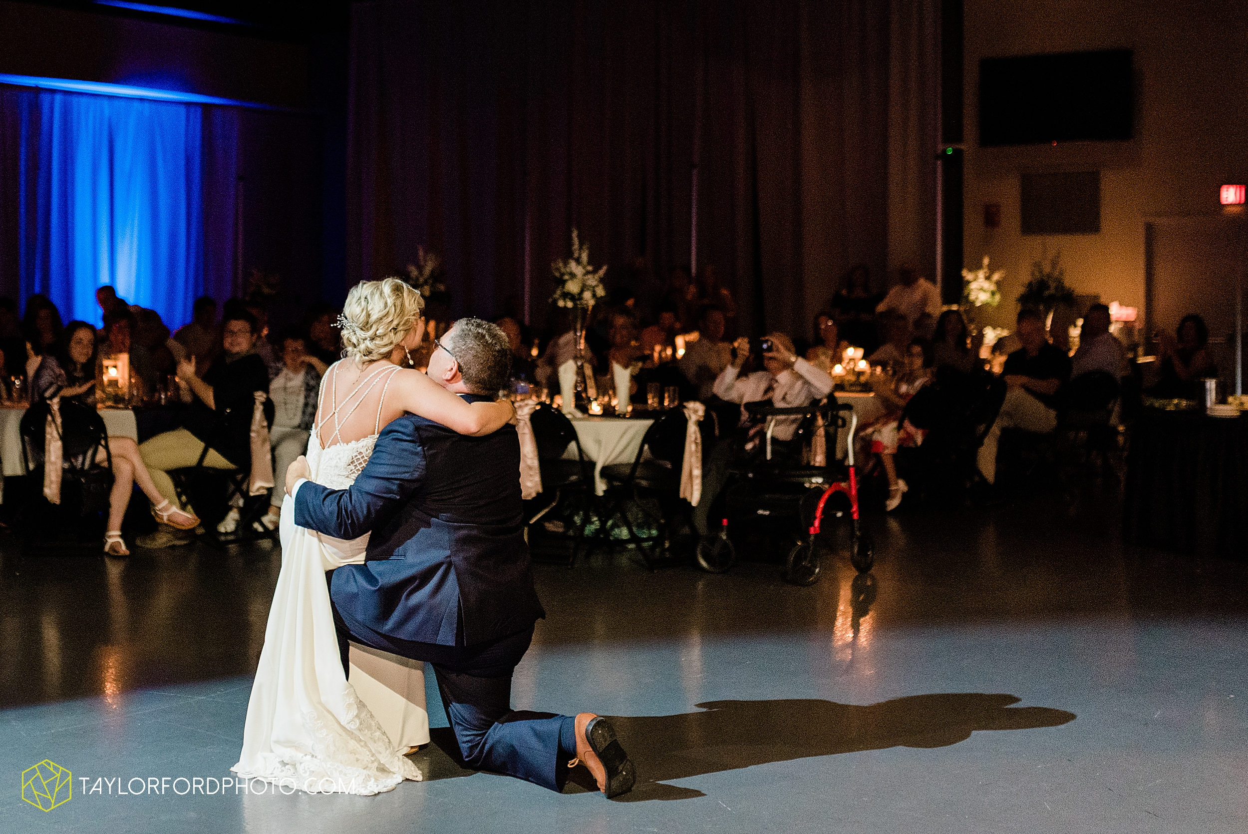 carly-trent-lima-elida-ohio-wedding-the-met-civic-center-reception-immanuel-united-methodist-church-photography-taylor-ford-hirschy-photographer_3384.jpg
