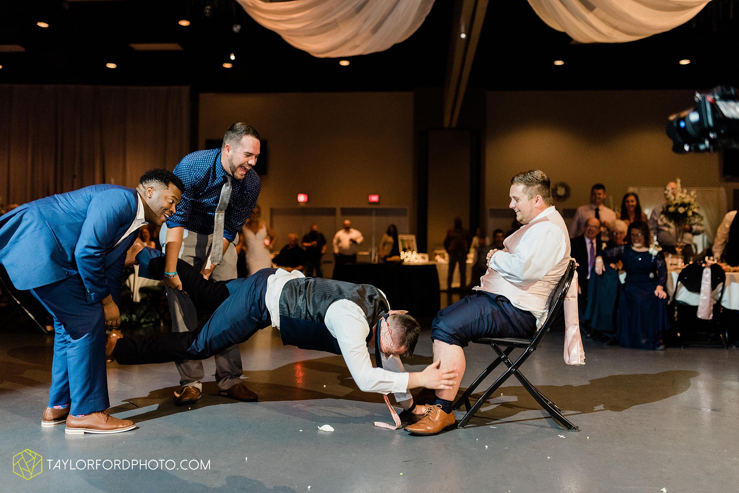 carly-trent-lima-elida-ohio-wedding-the-met-civic-center-reception-immanuel-united-methodist-church-photography-taylor-ford-hirschy-photographer_3400.jpg