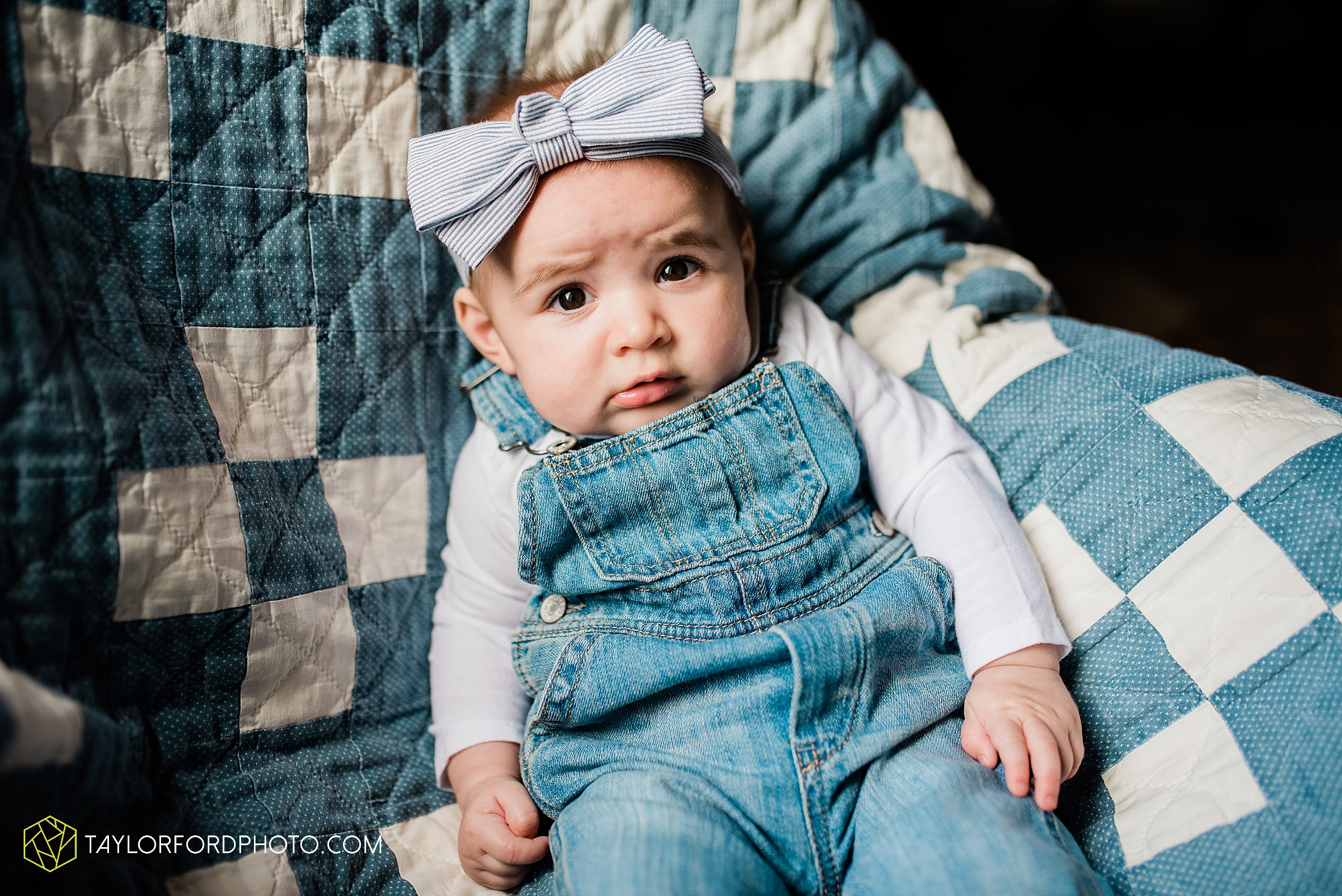austin-texas-newborn-family-at-home-farm-hiestand-woods-van-wert-county-ohio-farm-family-photography-taylor-ford-hirschy-photographer_3488.jpg