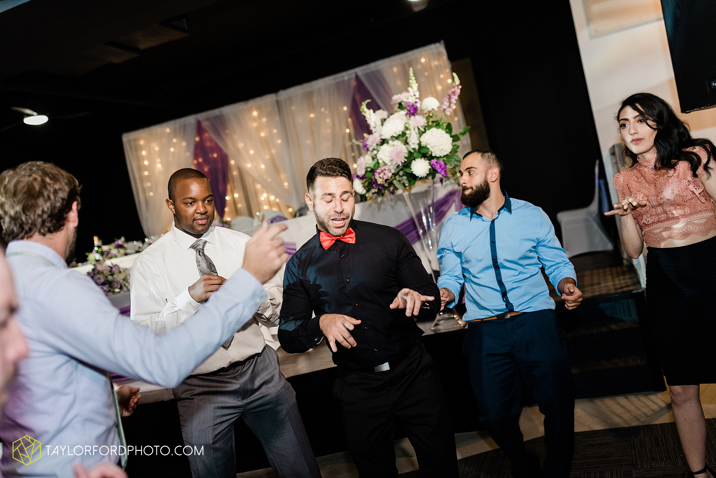 toledo-ohio-wedding-the-park-inn-by-radisson-hotel-art-museum-summit-event-center-photography-taylor-ford-hirschy-photographer_3714.jpg