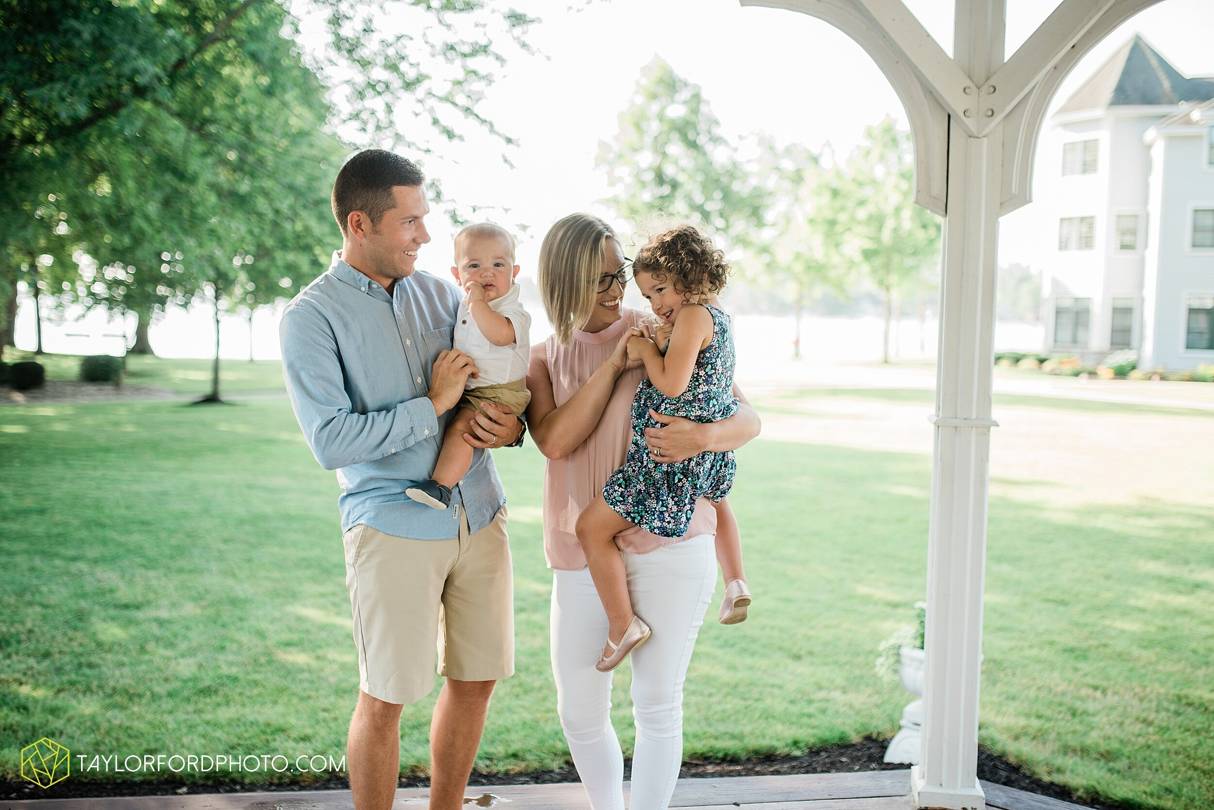 lake-wawasee-syracuse-indiana-oakwood-resort-family-mini-fourth-4th-of-july-summer-photography-taylor-ford-hirschy-photographer_3634.jpg