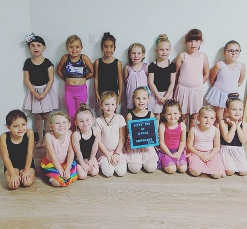 How cute are they?! 😍 We love our tiny dancers. What a wonderful evening!  #september #cute #dance #firstday #smallstudiobigheart