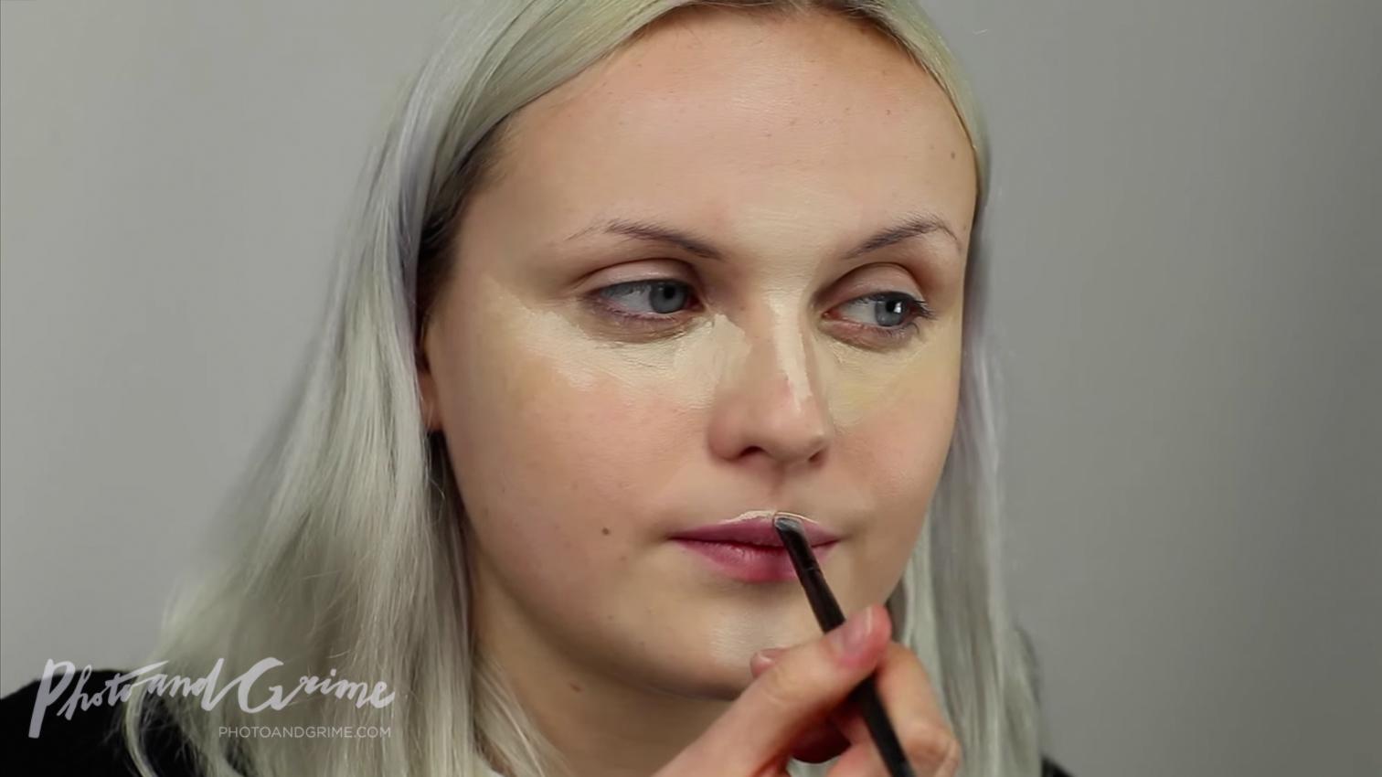 artistic fashion makeup tutorial PUNCHINGPICTURES Marly van den Bosch 01.jpg