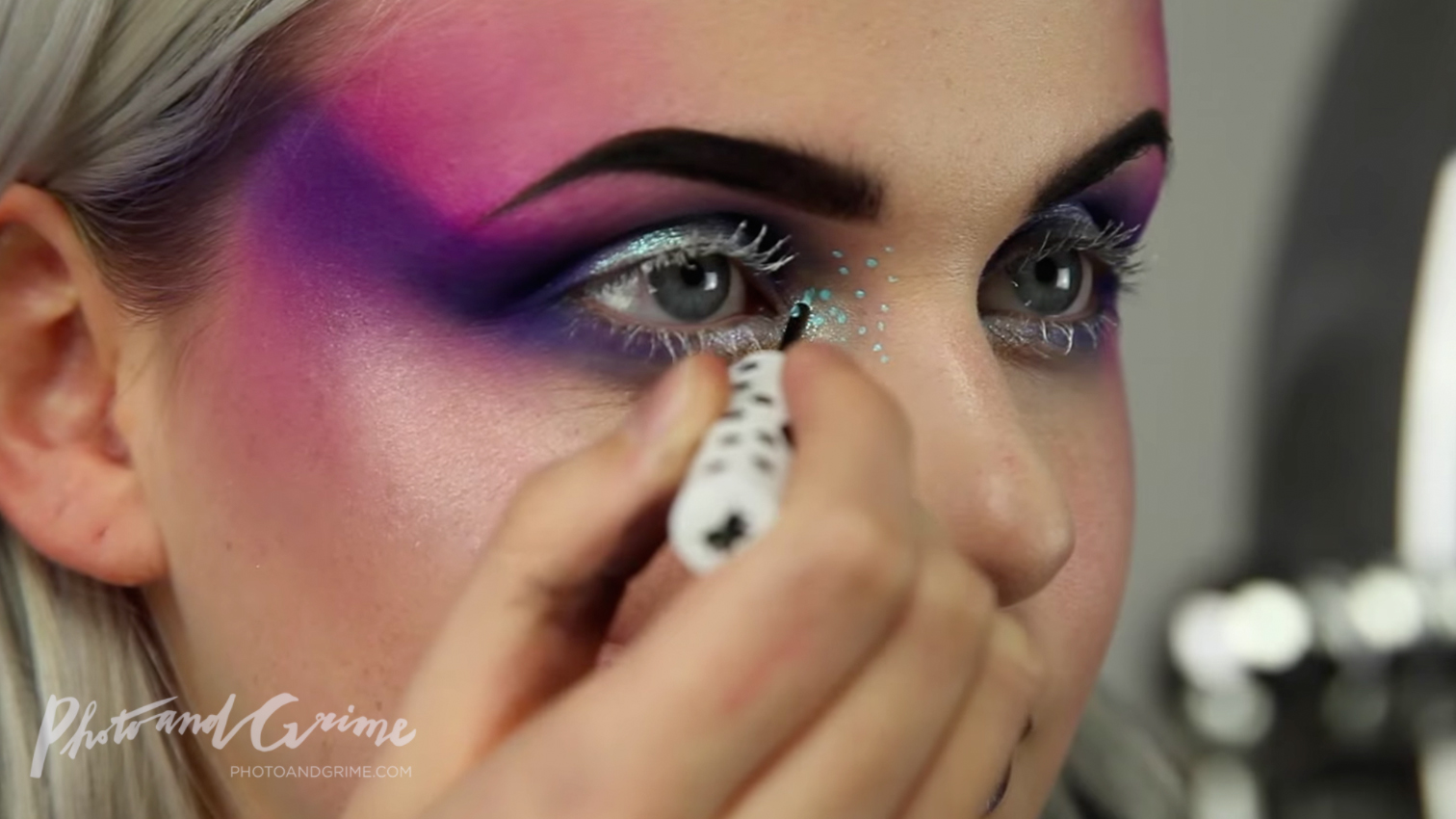 artistic fashion makeup tutorial PUNCHINGPICTURES Marly van den Bosch 03.jpg