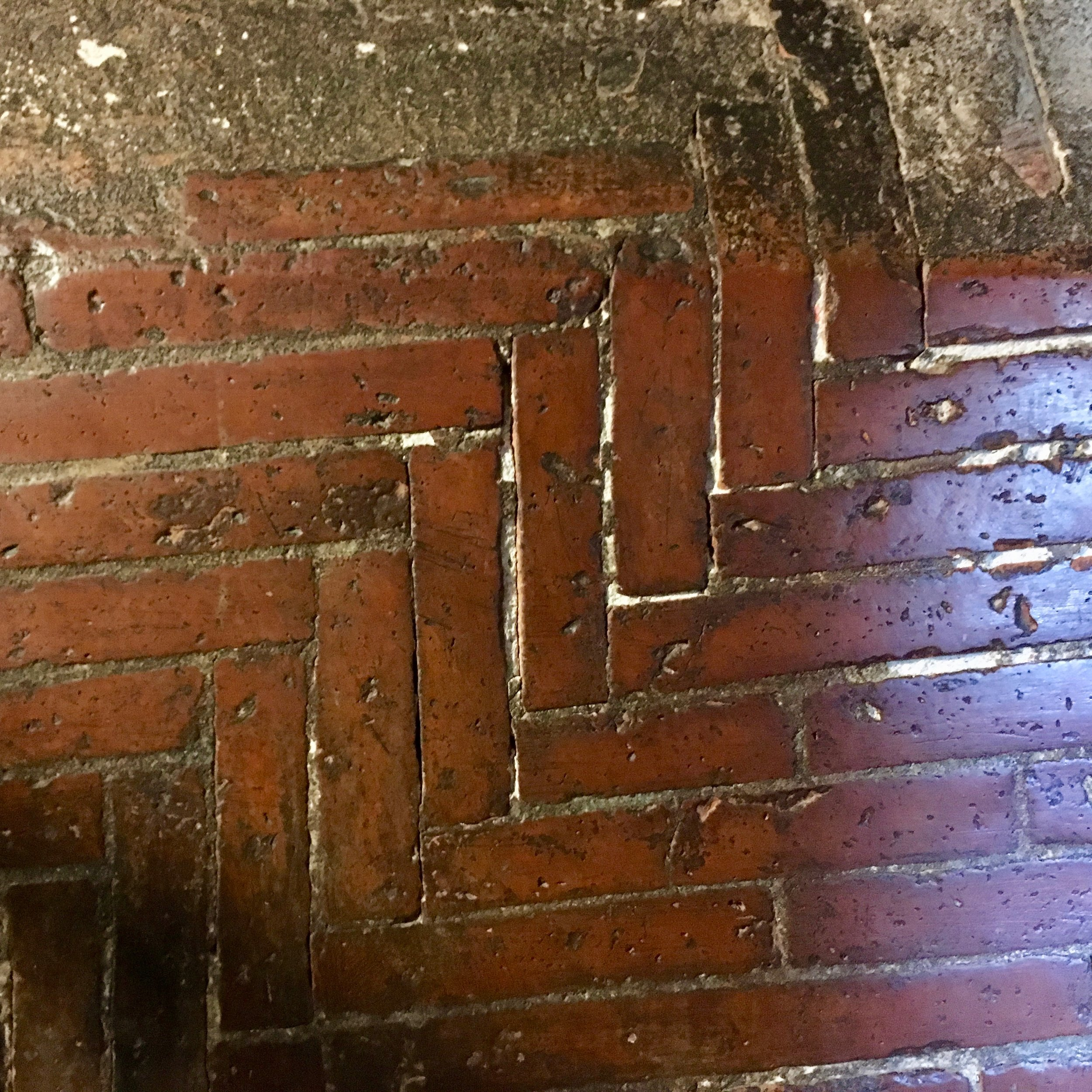Herringbone bricks (built w/o scaffold)