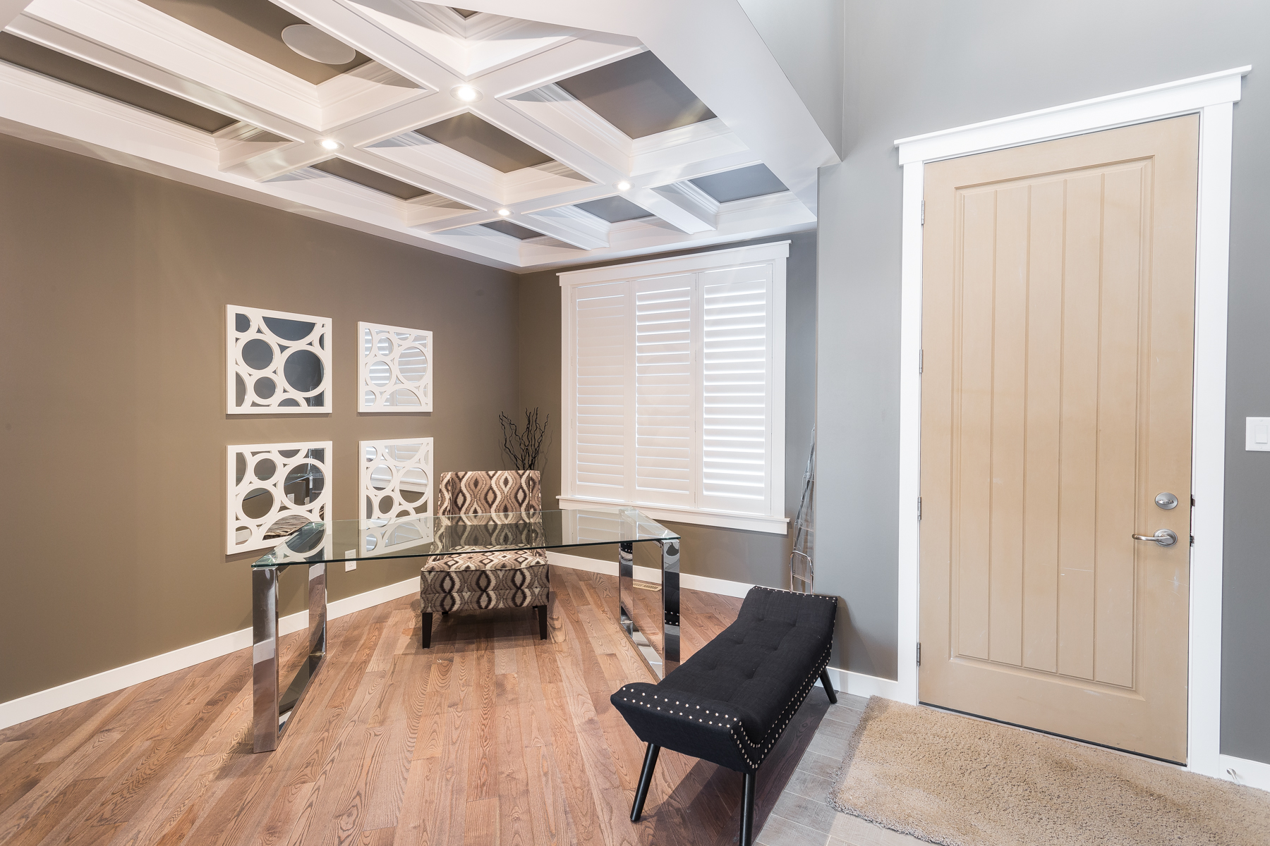 Motherwell Drive - Hatched ceiling with inset crown molding