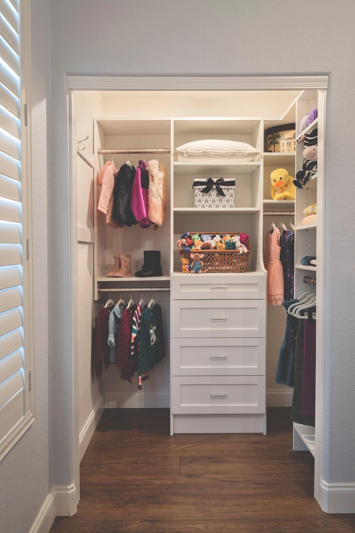 Tailored Living - Premier Garage Regina - Custom Closet