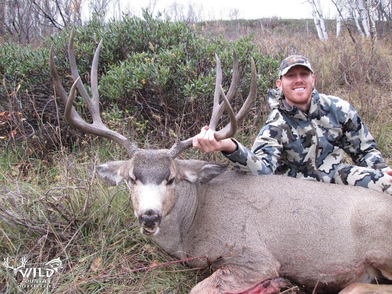 utah buck mule deer hunt andrew rich (1).jpg