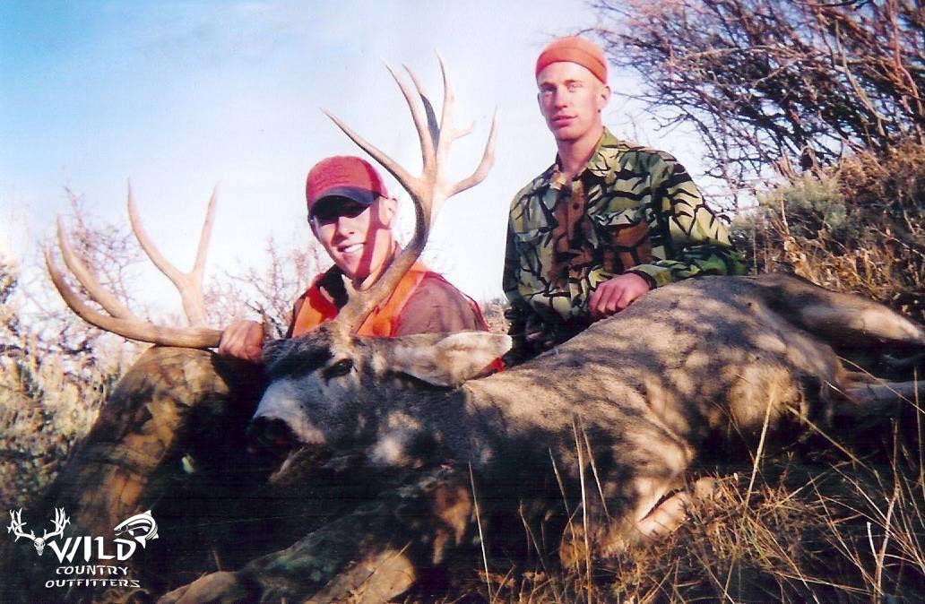 utah buck mule deer hunt andrew rich.jpg