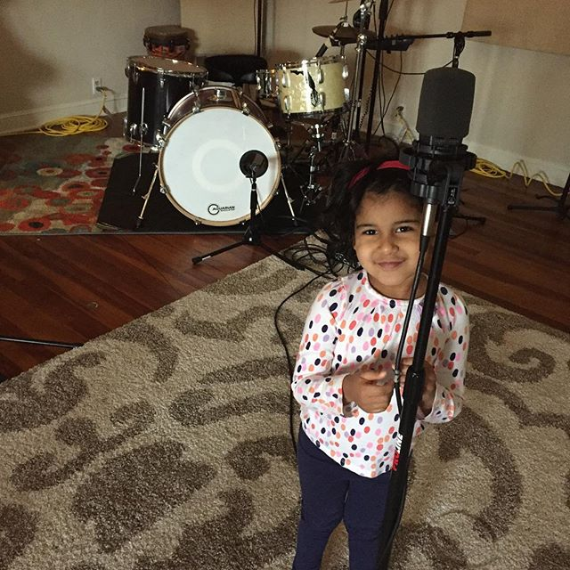 Maya mic check